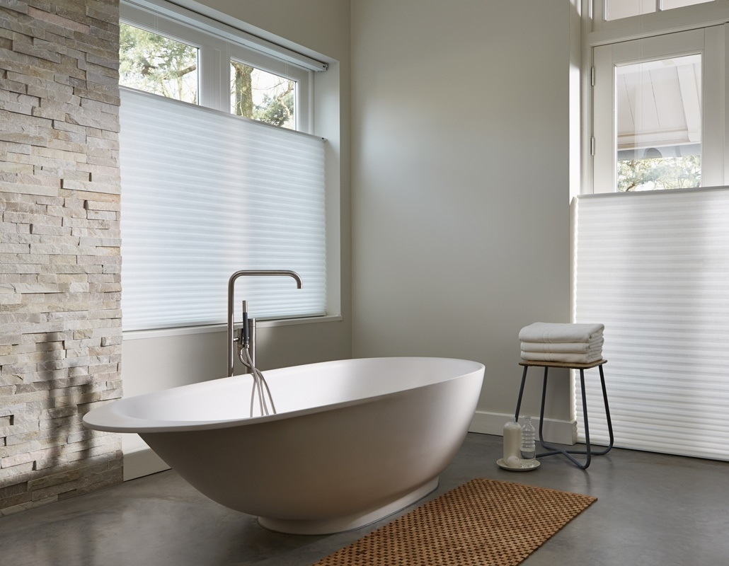 How To Choose Perfect Bathroom Blinds Throughout Bathroom Blinds (Image 9 of 15)