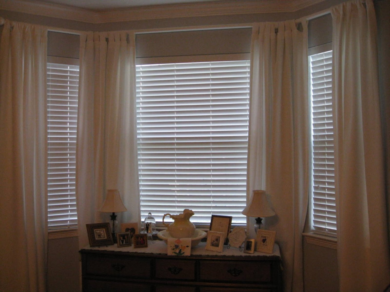 Featured Image of Bay Window Blinds And Curtains