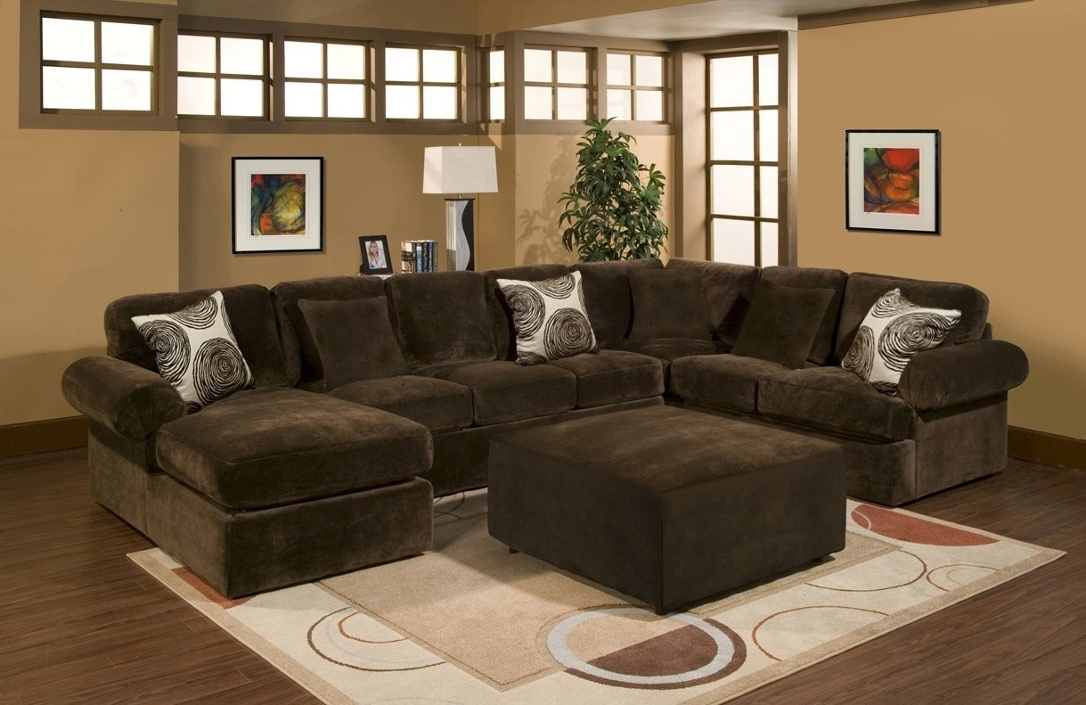 Featured Image of Bradley Sectional Sofa