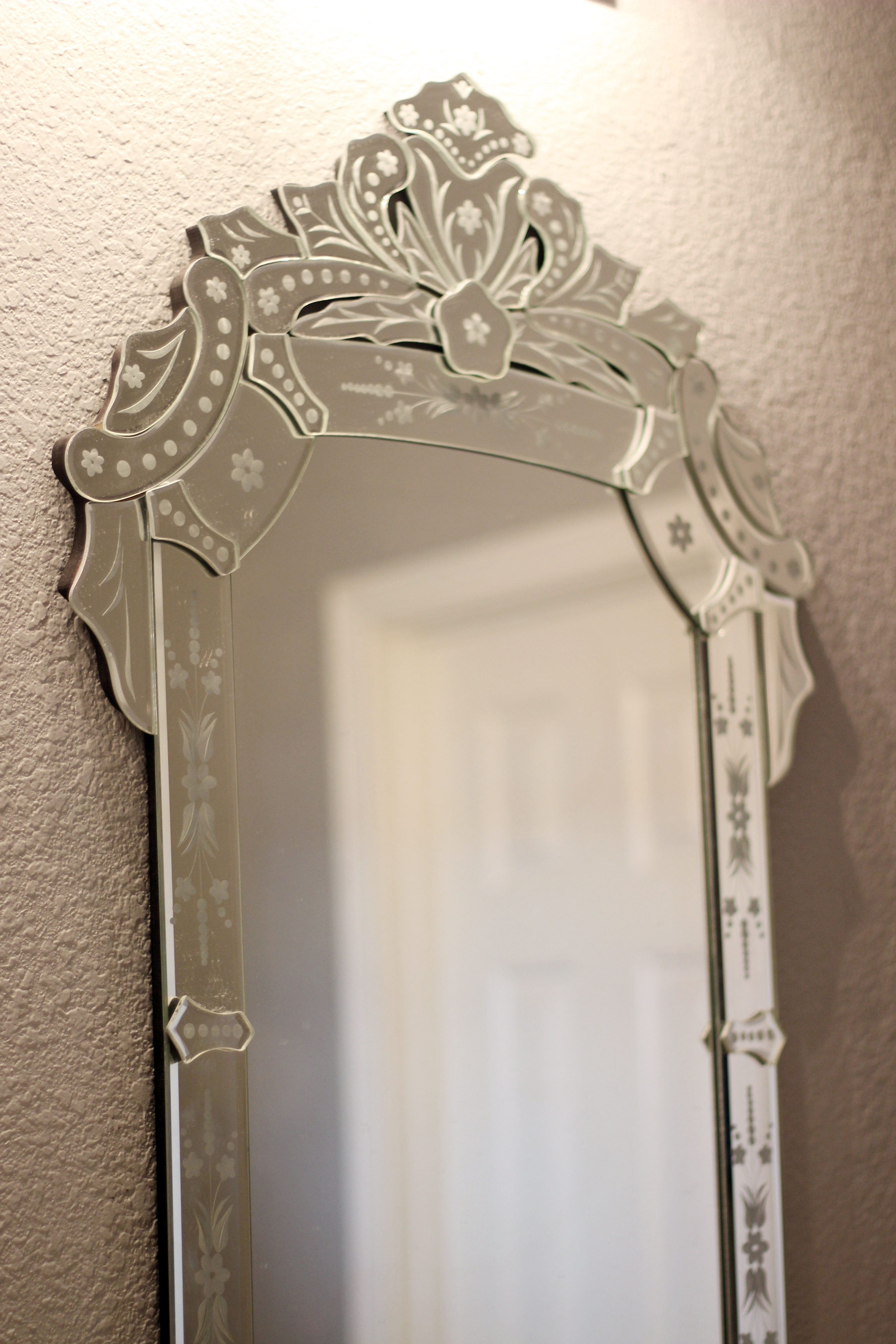 Inexpensive Cheap Venetian Style Mirror Gusto Grace In Cheap Venetian Mirror (Image 7 of 15)