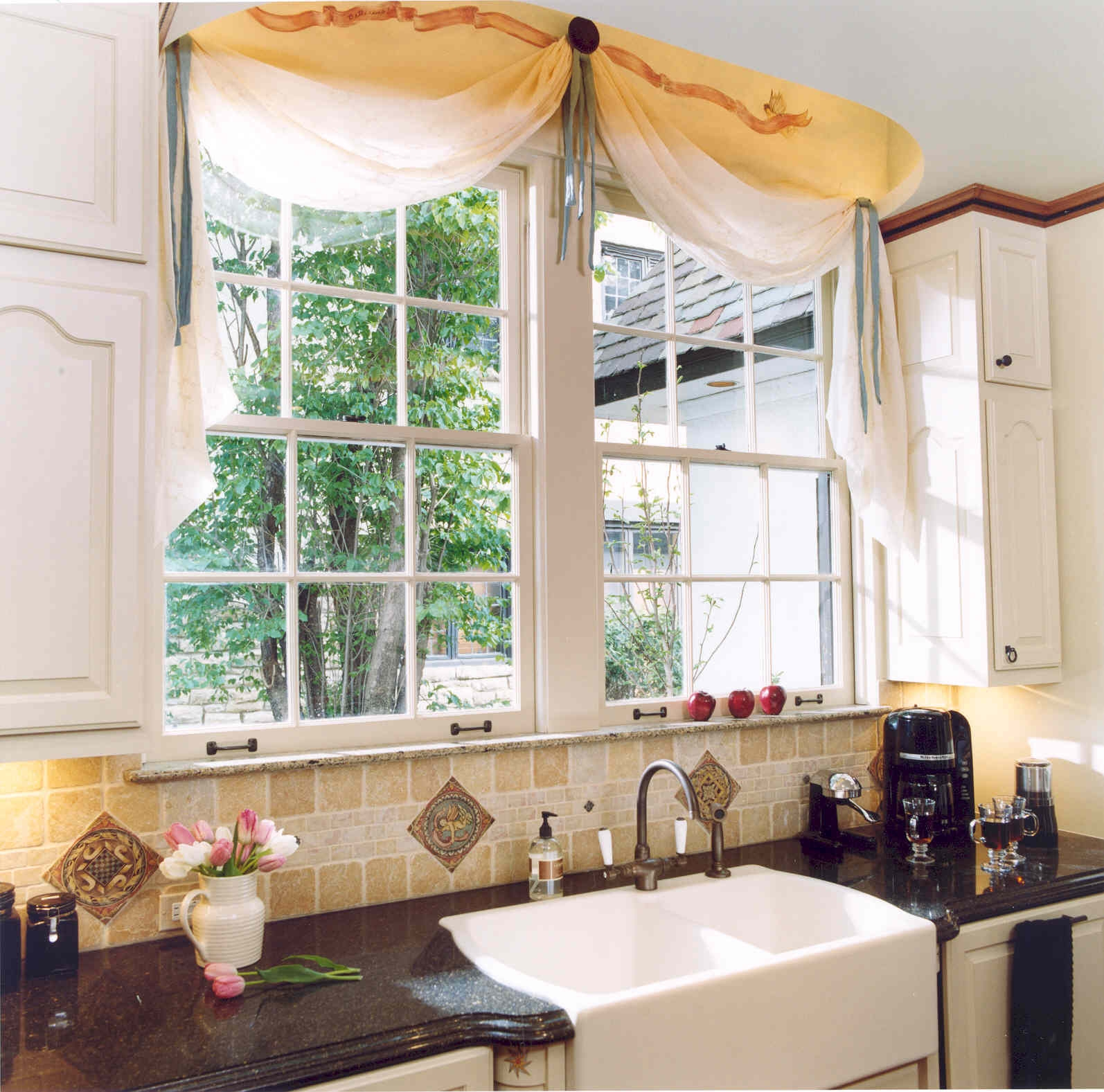 Kitchen Window Curtains Valances For Kitchen Burgundy Valances Pertaining To Kitchen Curtains And Blinds (Image 11 of 15)