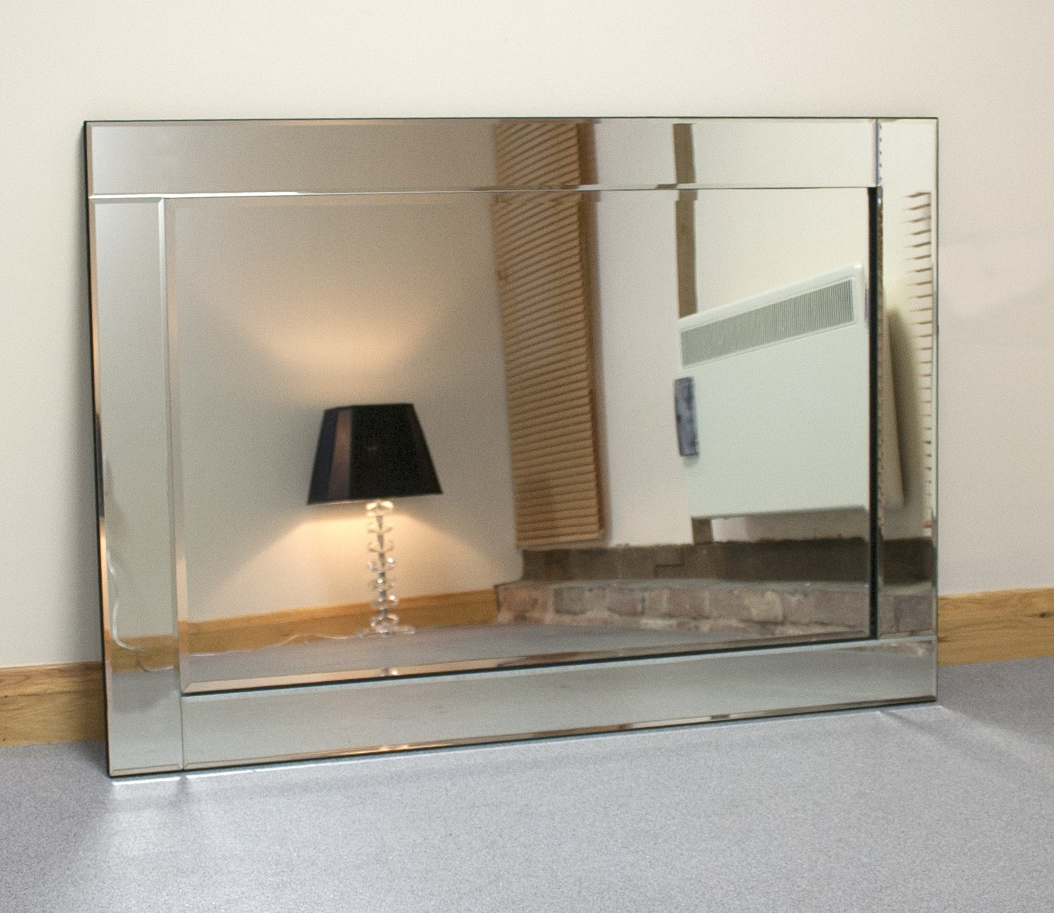 Featured Image of Large Glass Bevelled Wall Mirror