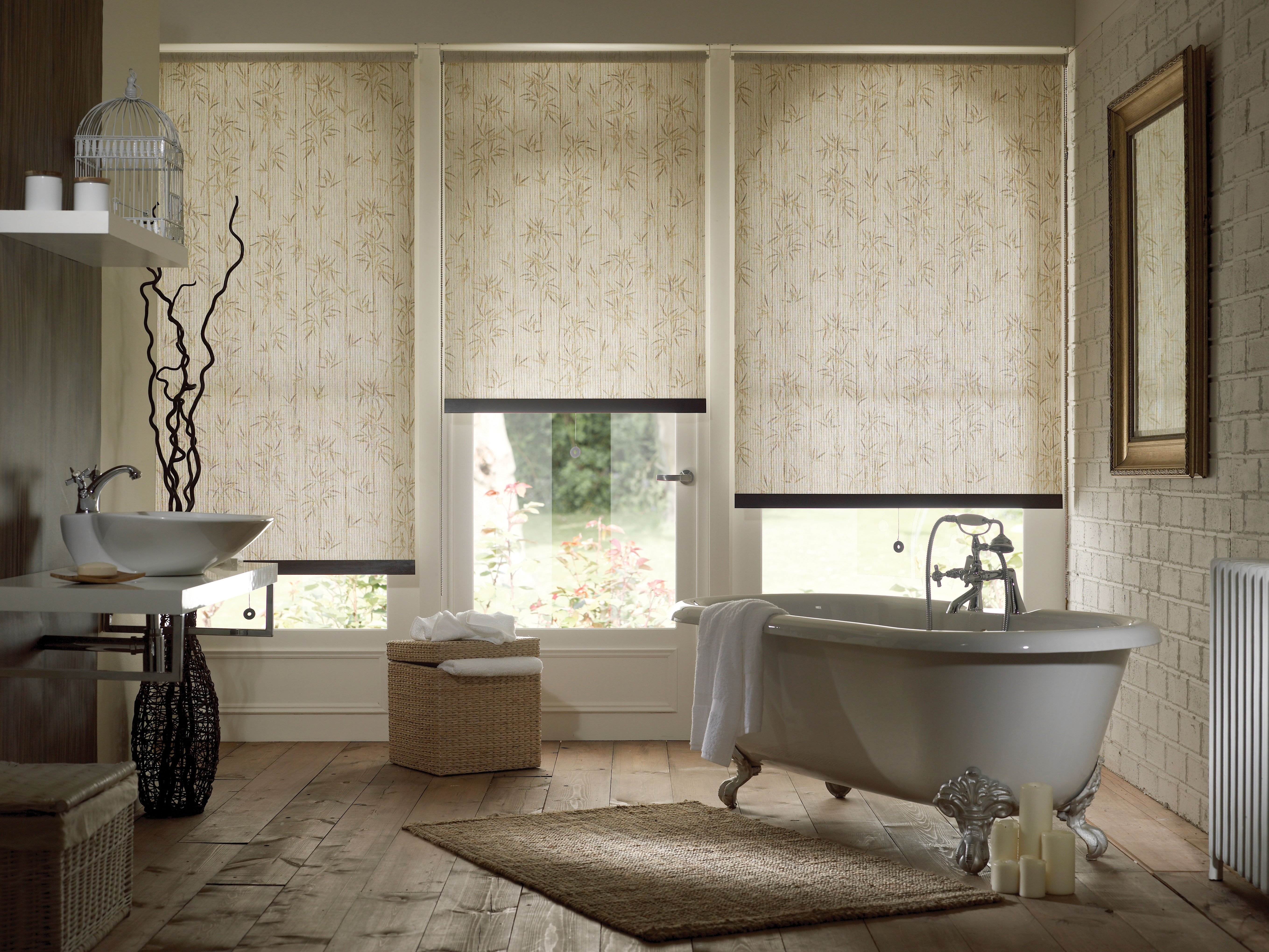 Featured Image of Bathroom Roman Blinds