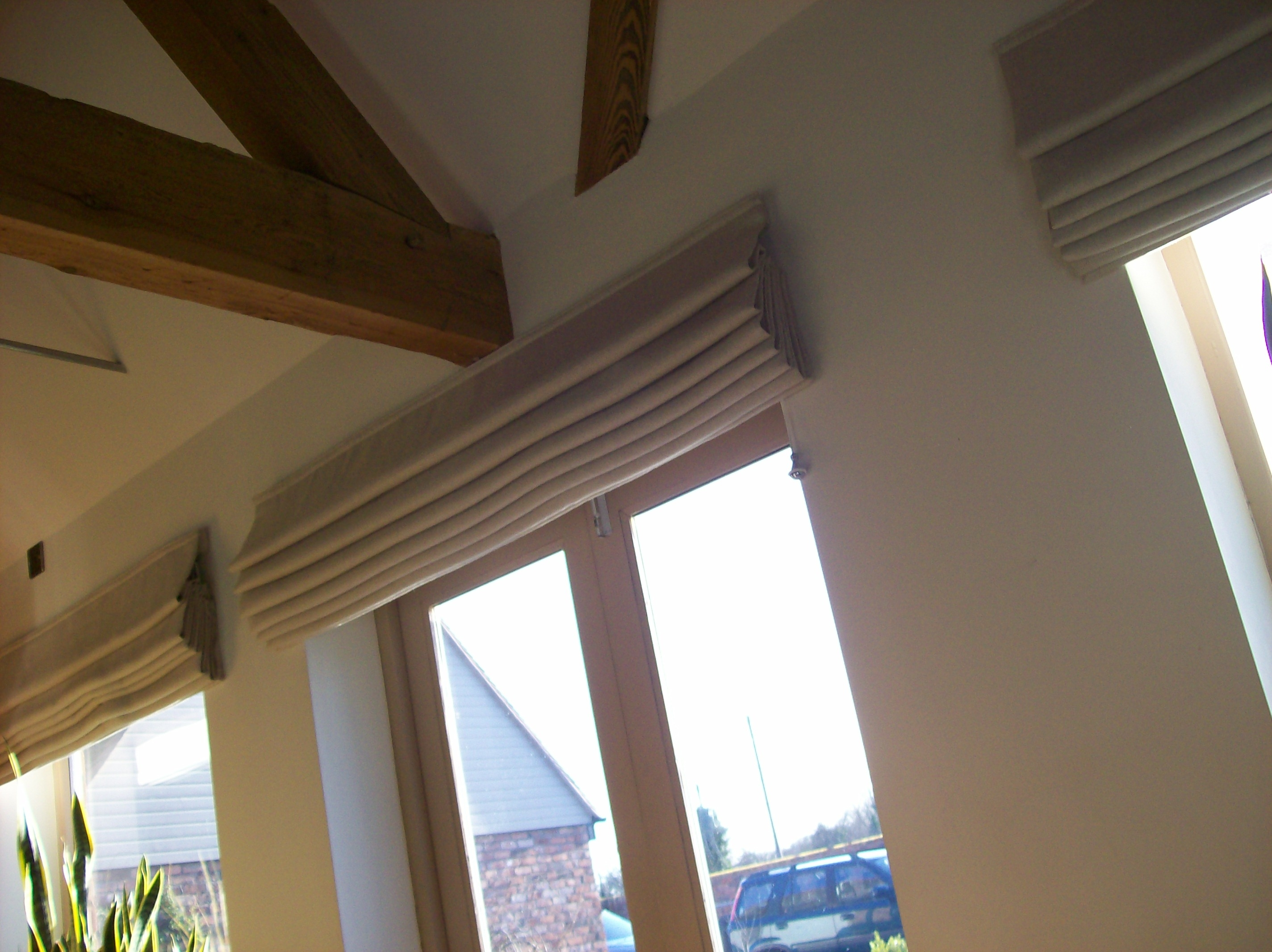 Featured Image of Natural Linen Roman Blinds