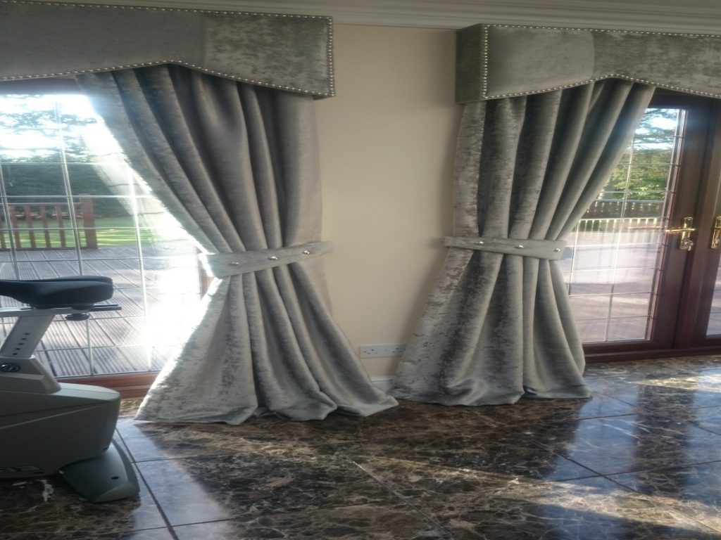 Living Room Charming Velvet Curtains For Modern Living Room Ideas With Regard To Velveteen Curtains (View 4 of 15)
