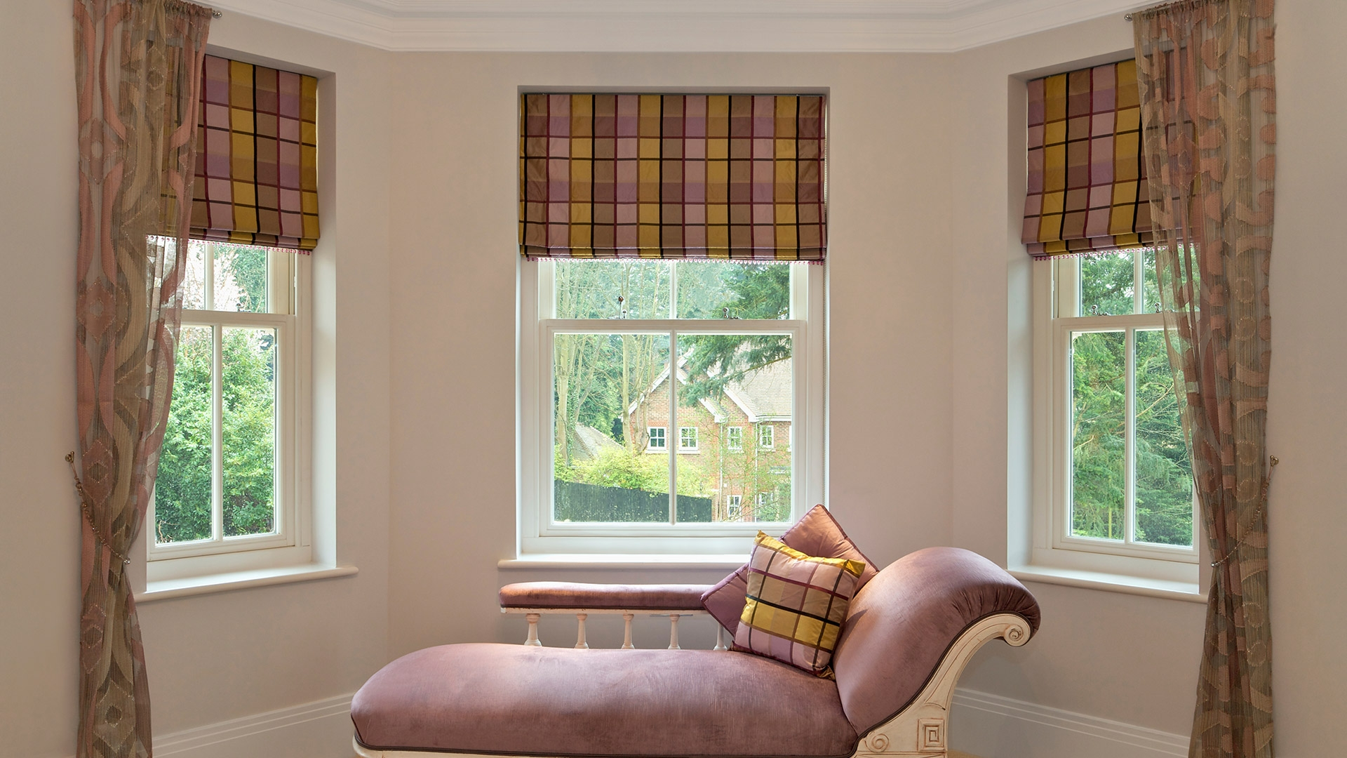 Made To Measure Roman Blinds For Bay Windows Best Blind 2017 Regarding Handmade Roman Blinds (Image 10 of 15)