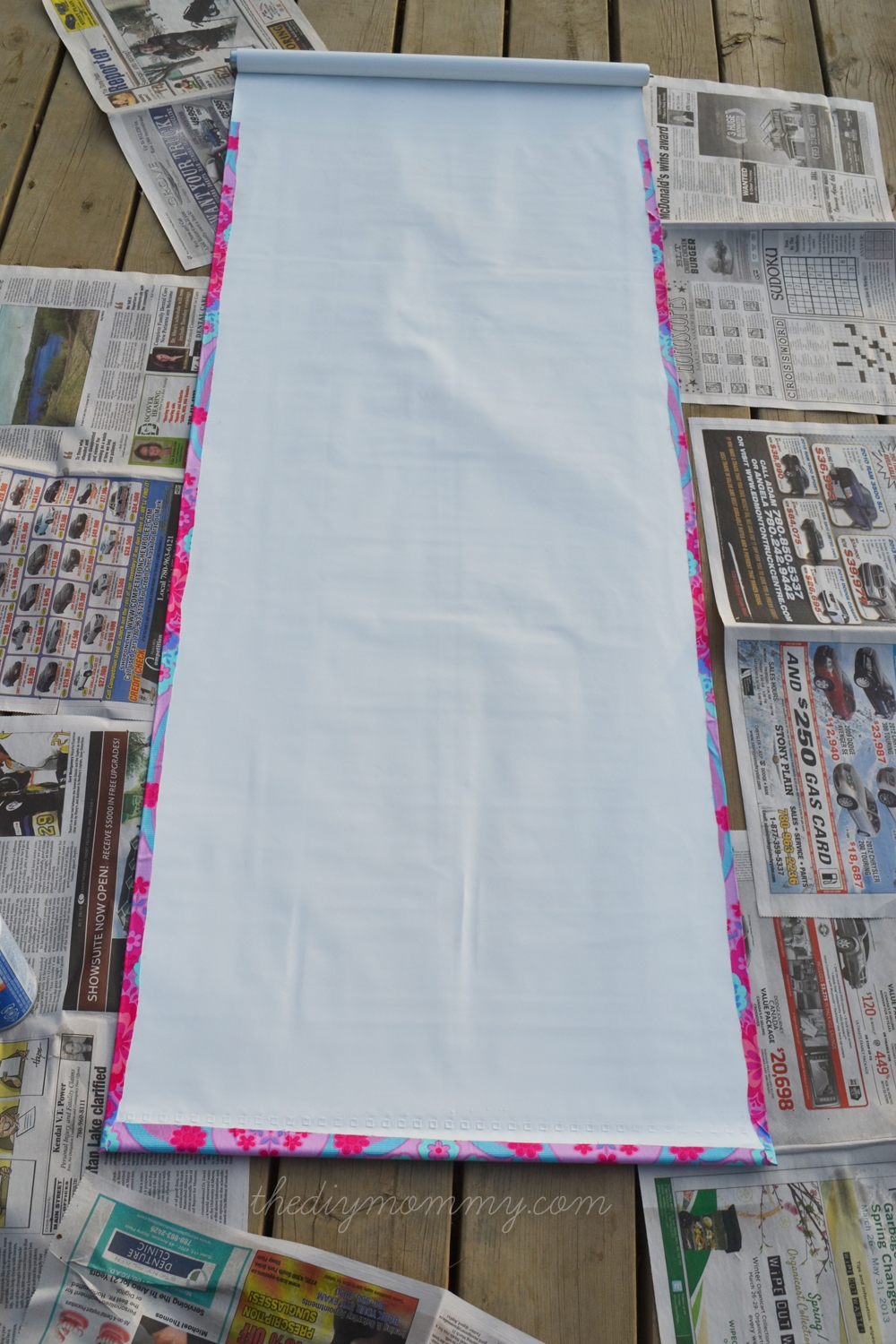 Make A No Sew Fabric Covered Roller Shade The Diy Mommy Within Fabric Roller Blinds (Image 7 of 15)