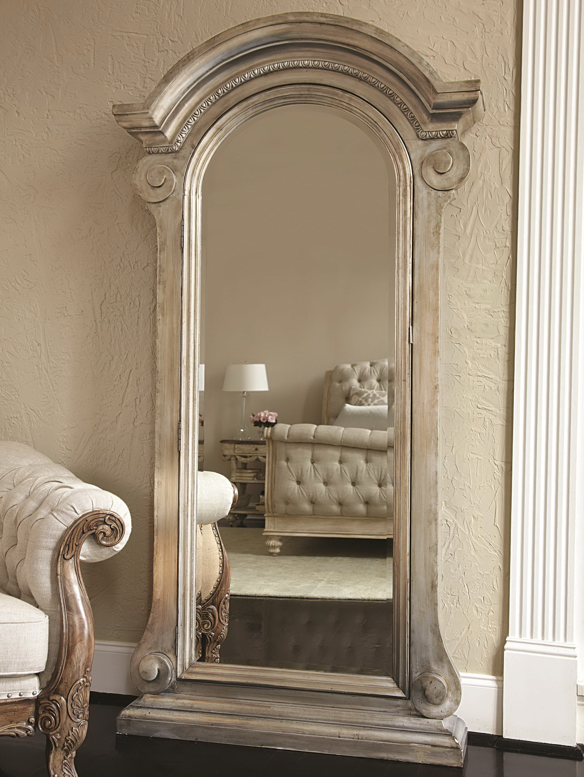 Featured Image of Huge Floor Mirrors