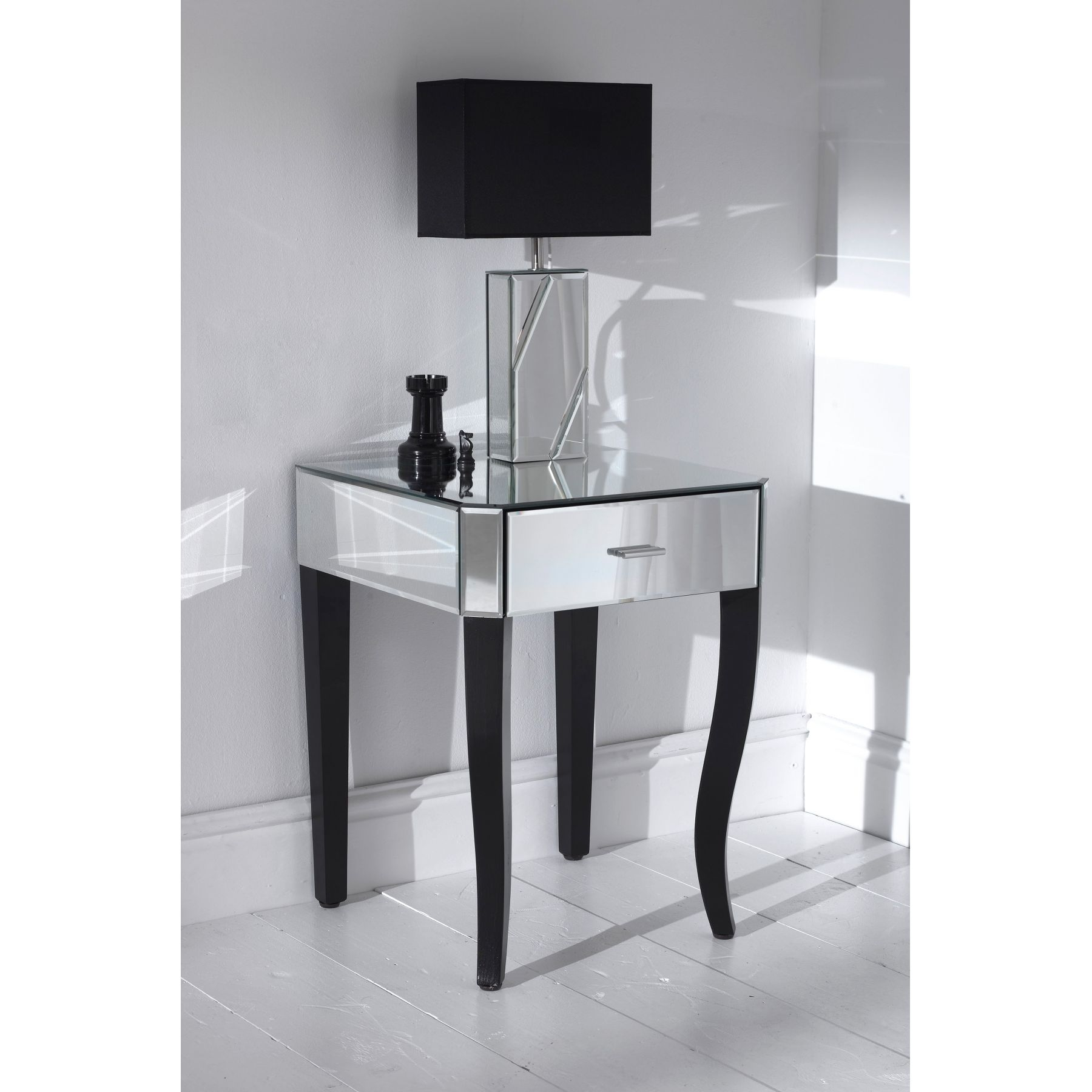 Featured Image of Small Table Mirror