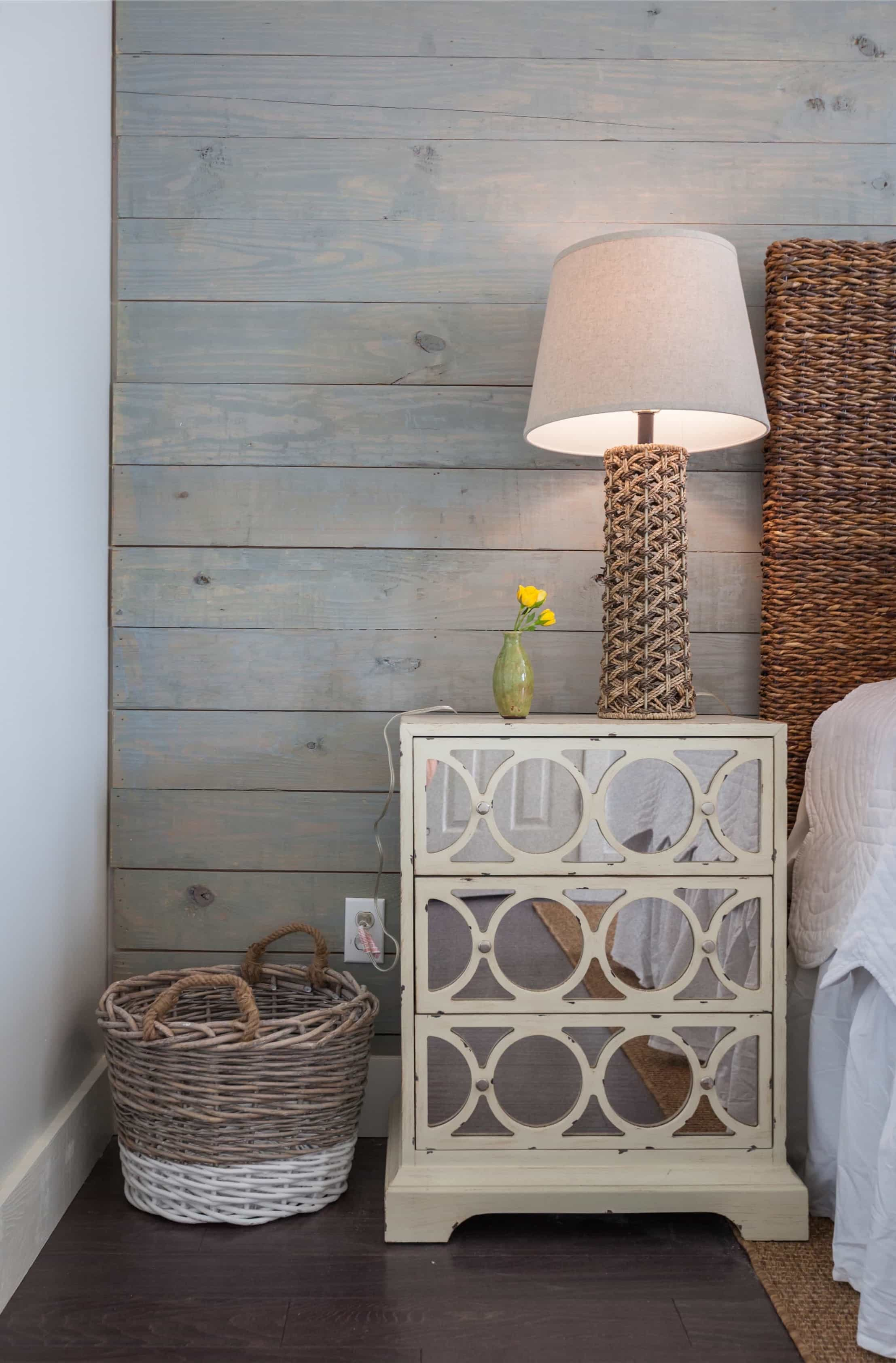 Featured Image of Mirrored Night Stand And Twine Wrapped Lamp
