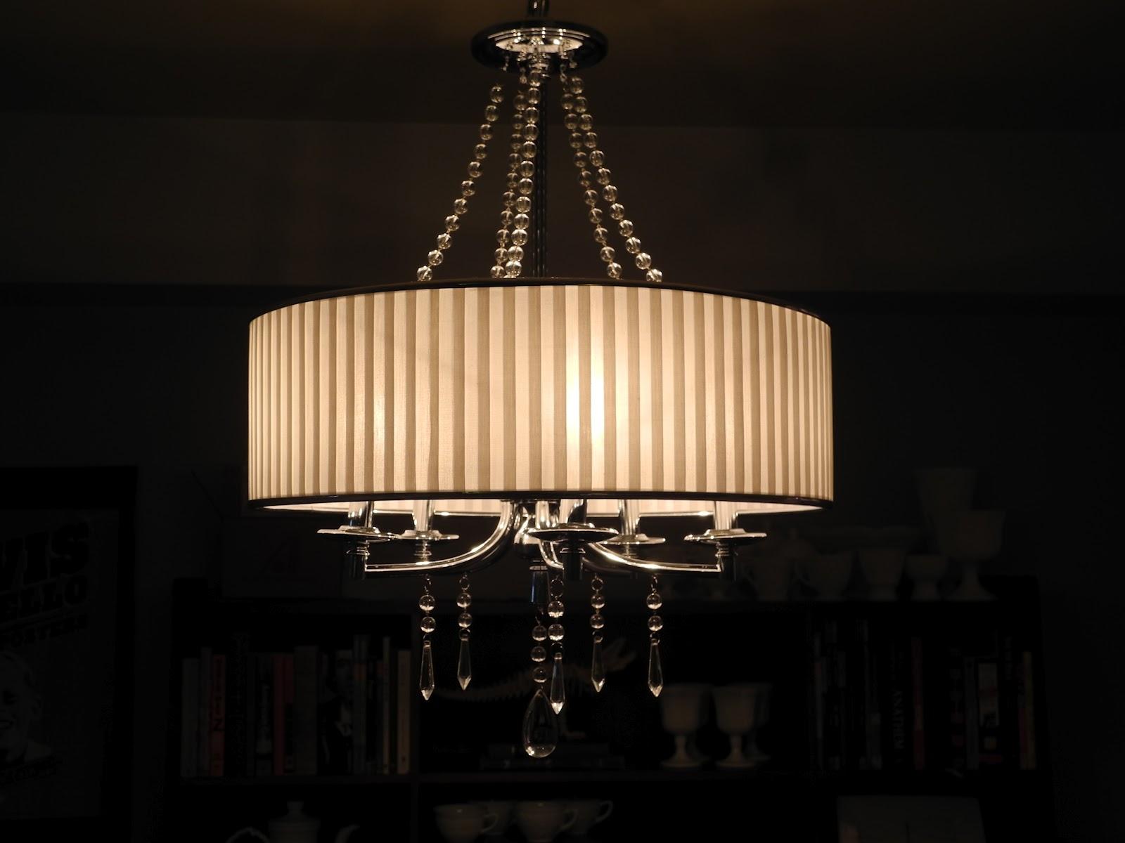 Modern Chandelier Lighting Regarding Modern Chandeliers (Image 12 of 15)