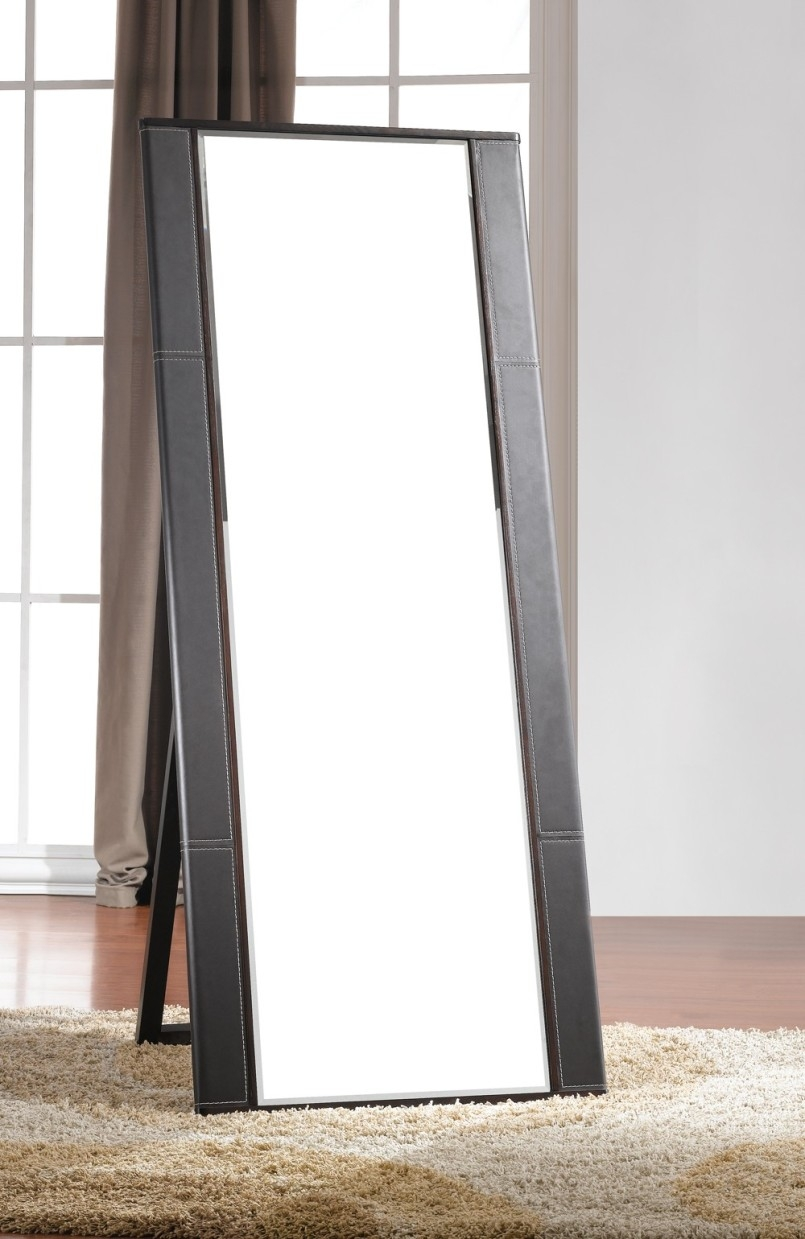 Featured Image of Contemporary Floor Standing Mirrors