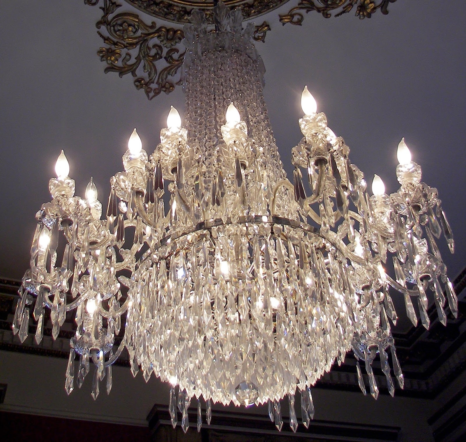 Featured Image of Expensive Crystal Chandeliers