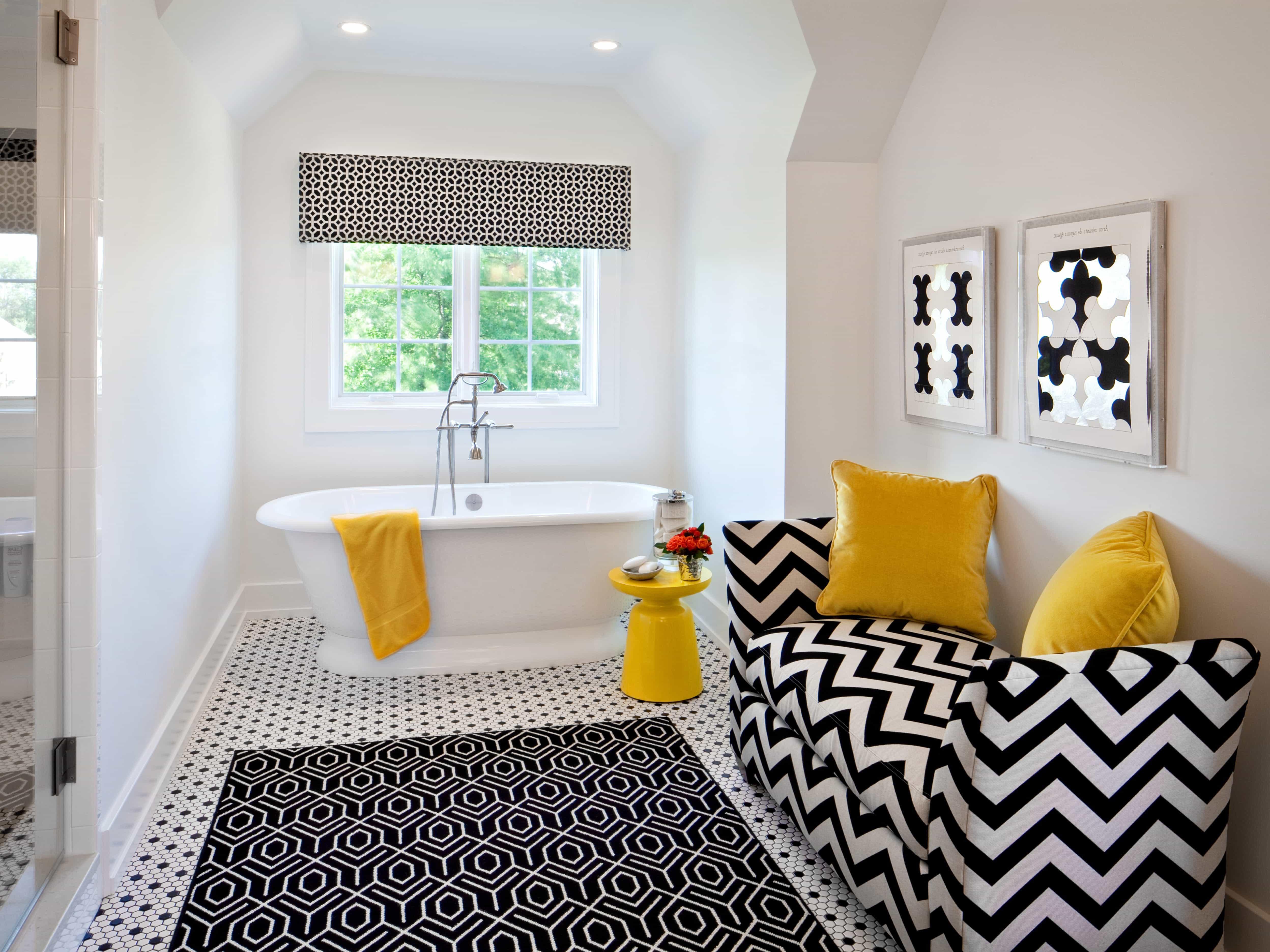 Monochromatic Rug Design For Pop Bathroom Interior Theme (View 1 of 11)