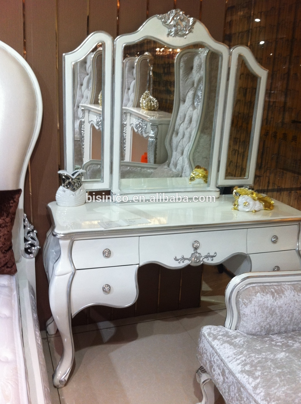 Ornate Design Series Dressing Table And Mirrorelegant Bedroom Inside Ornate Dressing Table Mirror (Image 7 of 15)