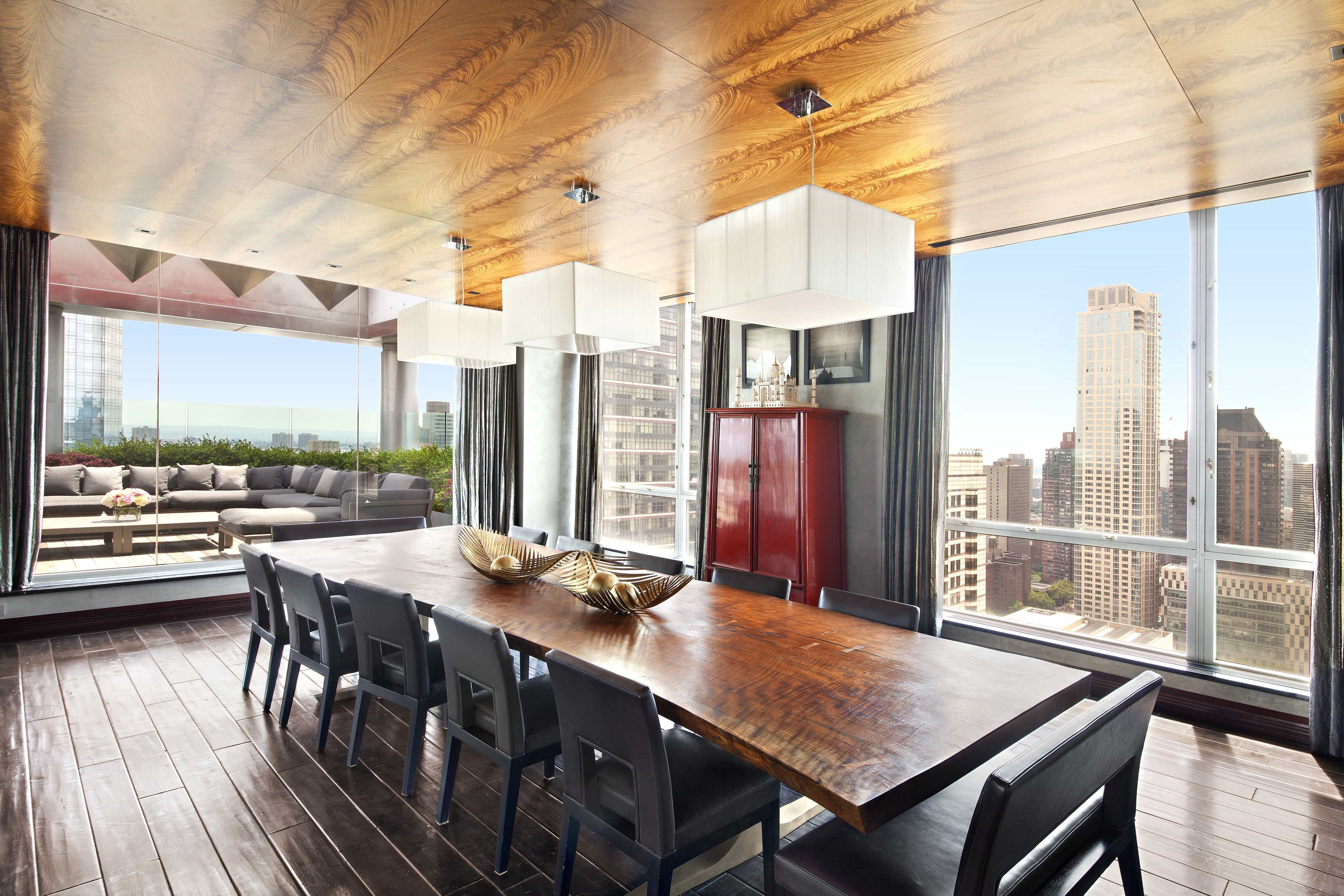 Featured Image of Paneled Exotic Wood Ceiling For Luxury Apartment Dining Room