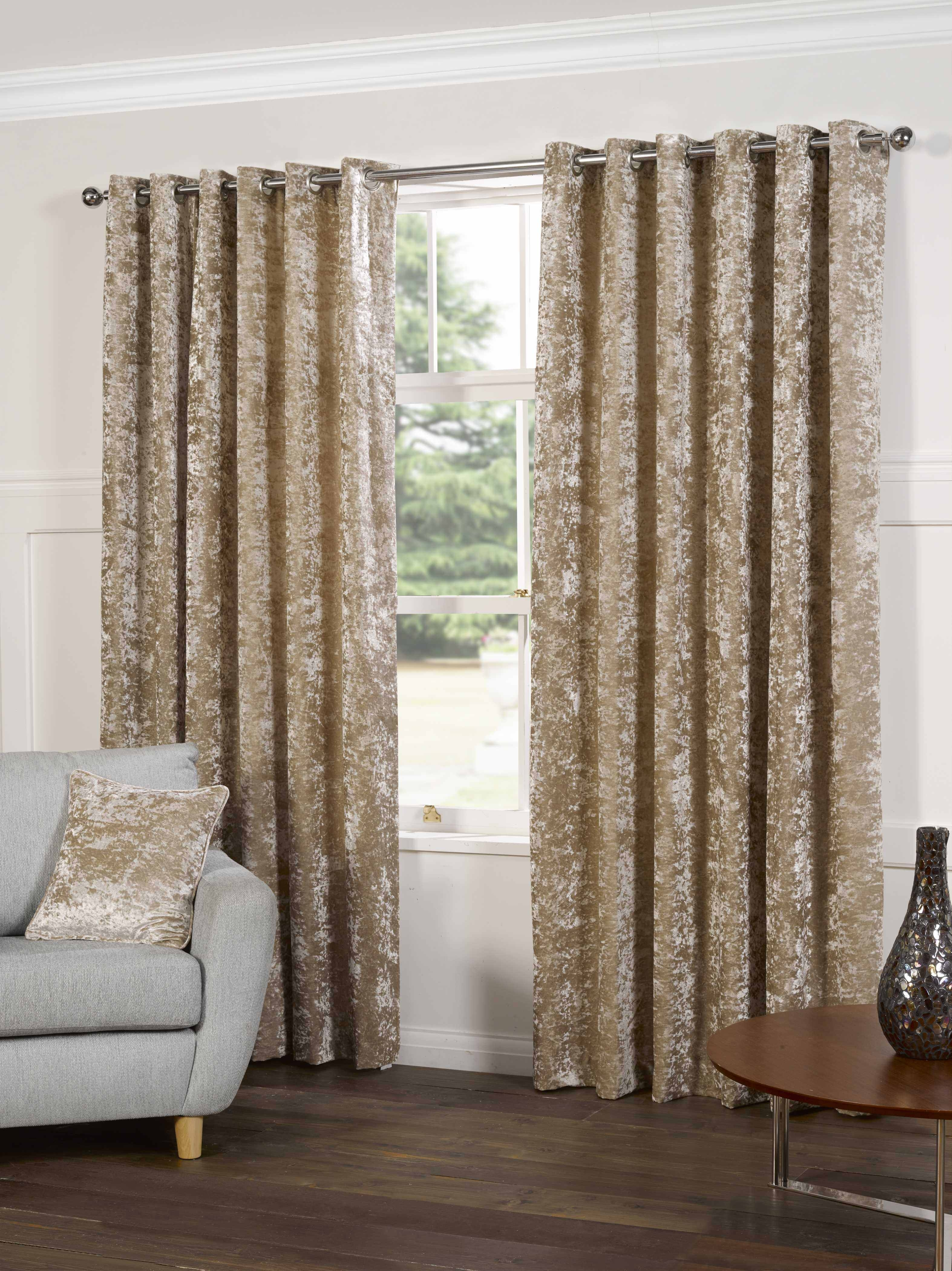 Plush Crushed Velvet Lined Ready Made Eyelet Ring Top Plain Inside Velveteen Curtains (Image 9 of 15)
