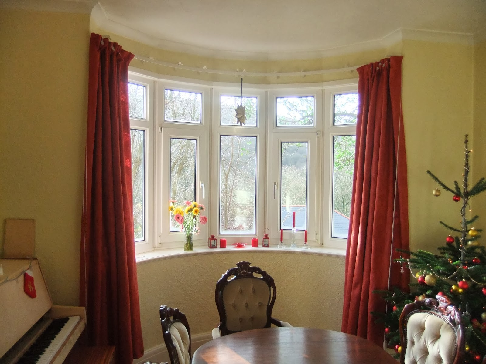 Featured Image of Curtains For Round Bay Windows