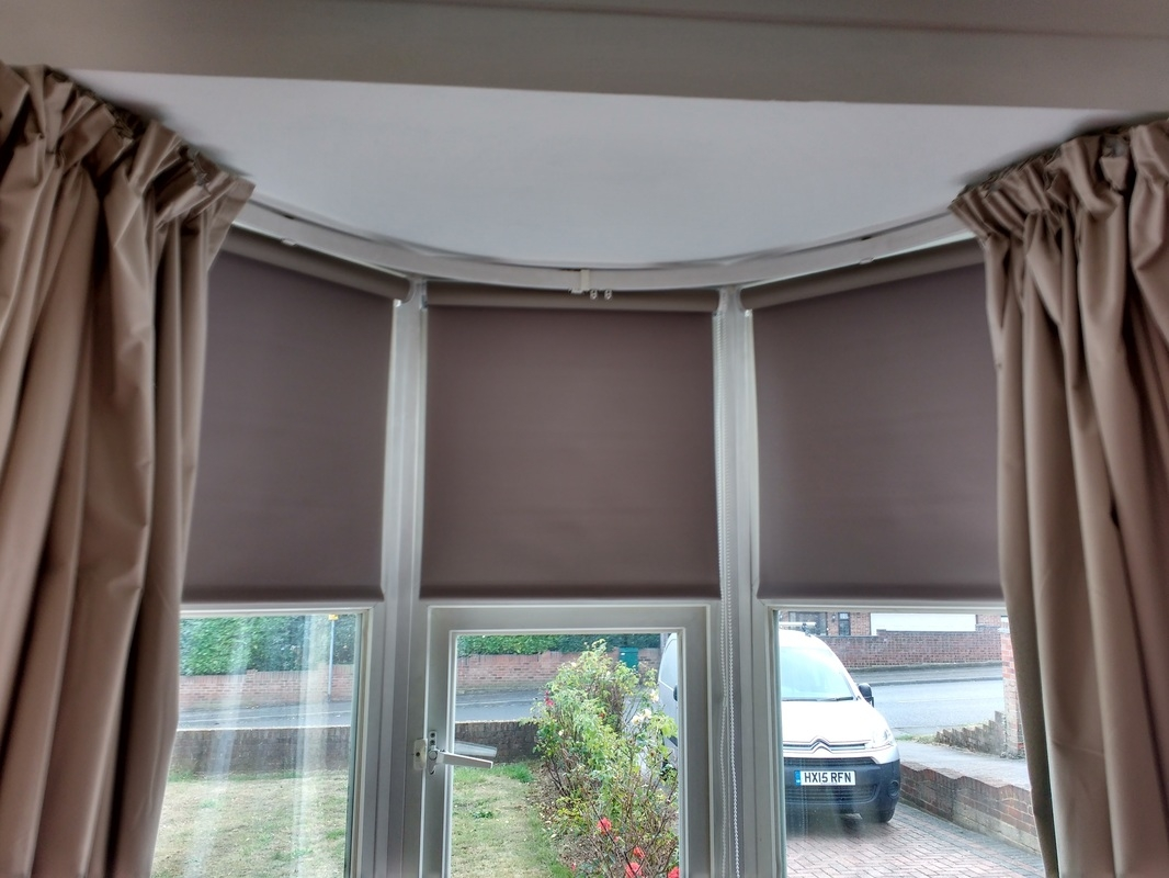 Roller Blinds Blindsfitted Pertaining To Bay Window Roller Blinds (Image 8 of 15)