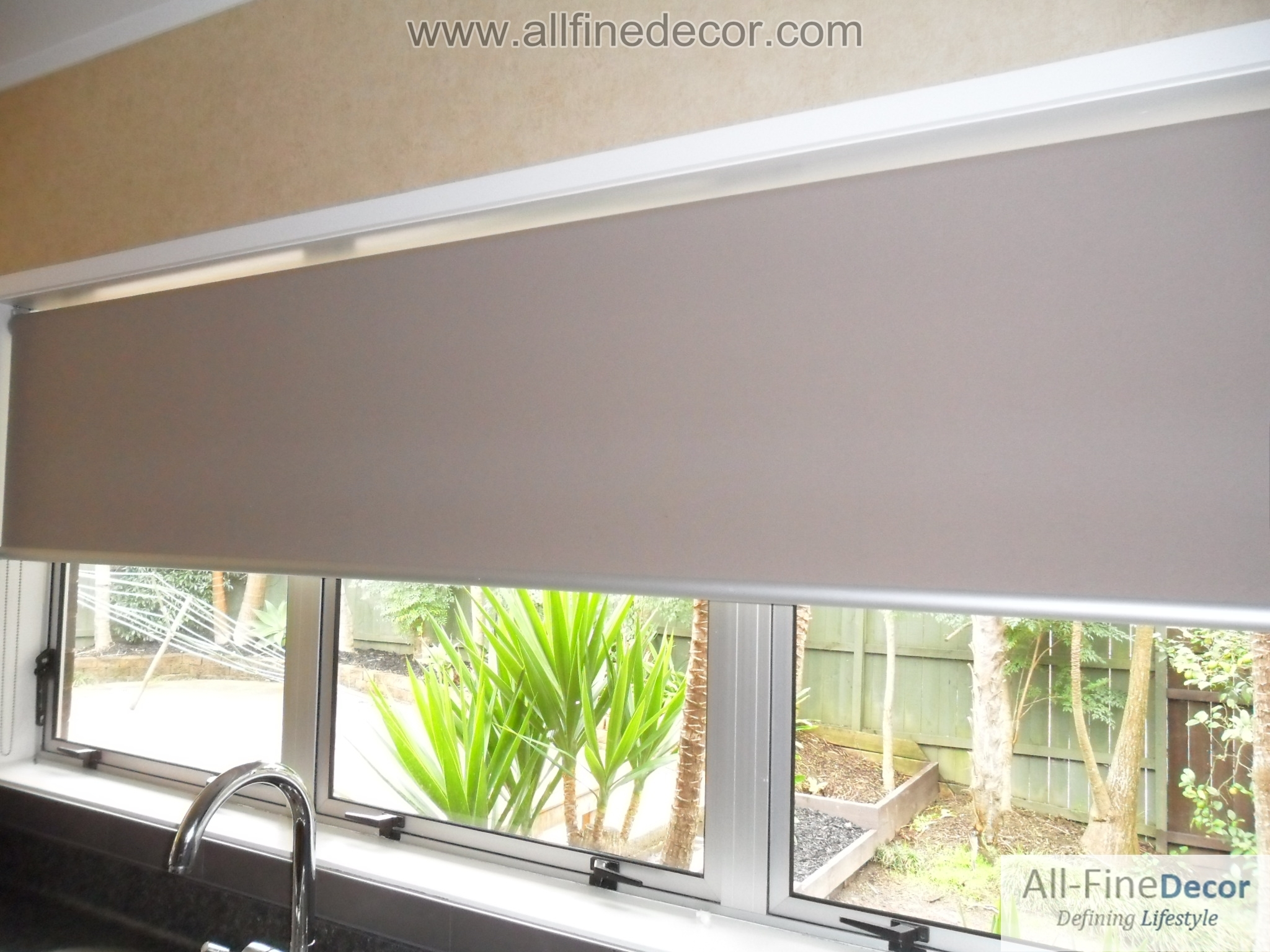 Roller Blinds Plain Throughout Plain Roller Blinds (Image 11 of 15)