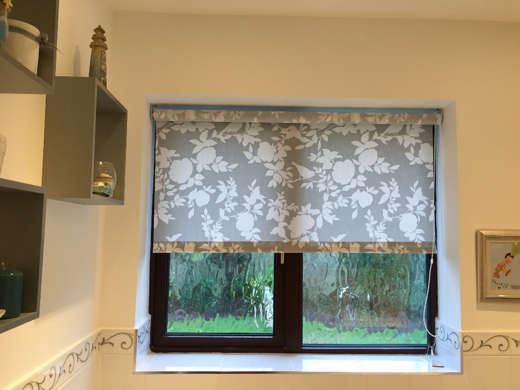 15 Roller Blinds Sheer Curtain Ideas