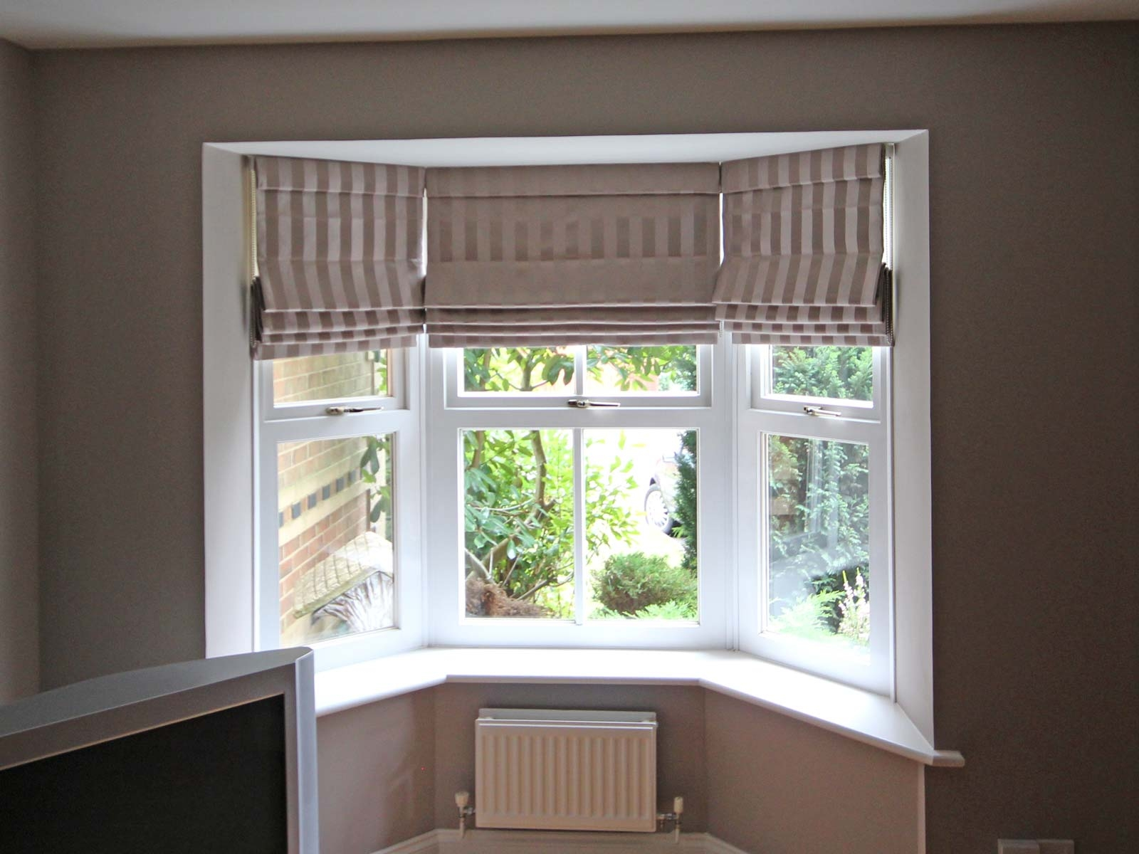 Roman And Roller Blind Install Selection Blinds Crawley With Roman Blinds On Bay Windows (Image 10 of 15)