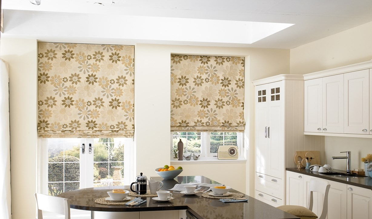 Roman Blackout Blinds Block The Sunlight With Roller Blinds Made Inside Floral Roman Blinds (Image 14 of 15)