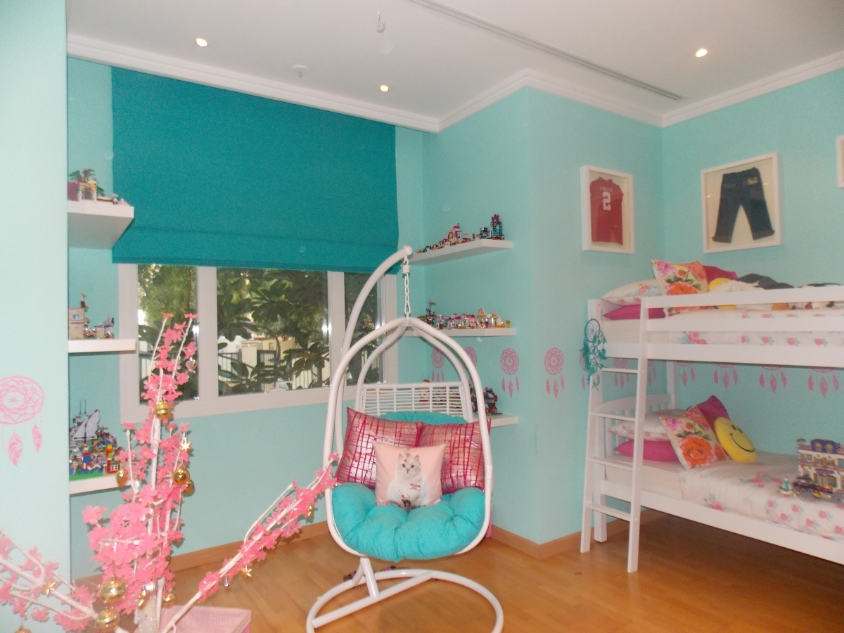 Roman Blinds Dubai World Of Curtains Furniture And Decor For Kids Roman Blinds (Image 9 of 15)