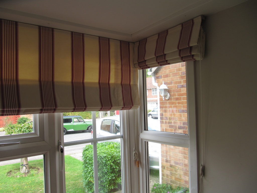 15 Roman Blinds On Bay Windows Curtain Ideas