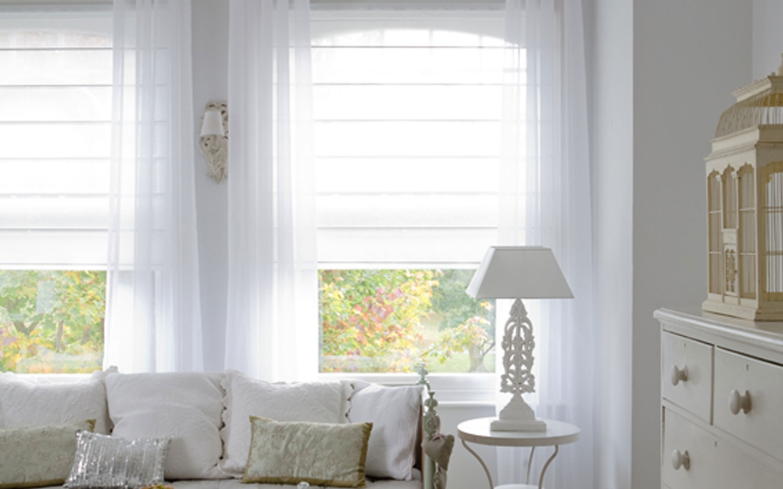 Featured Image of Voile Roman Blinds