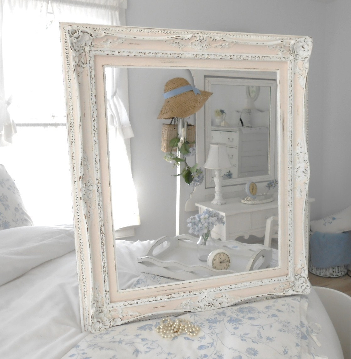 Romantic And Vintage Shab Chic Decor Ideas For Shabby Chic Mirrors Cheap (Image 11 of 15)