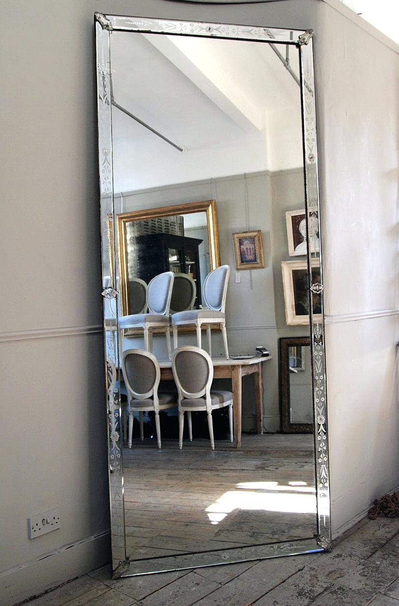 Round Wood Mirror Venetian Mirrors Vintage Very Large Antique Within Large Venetian Mirror (View 6 of 15)