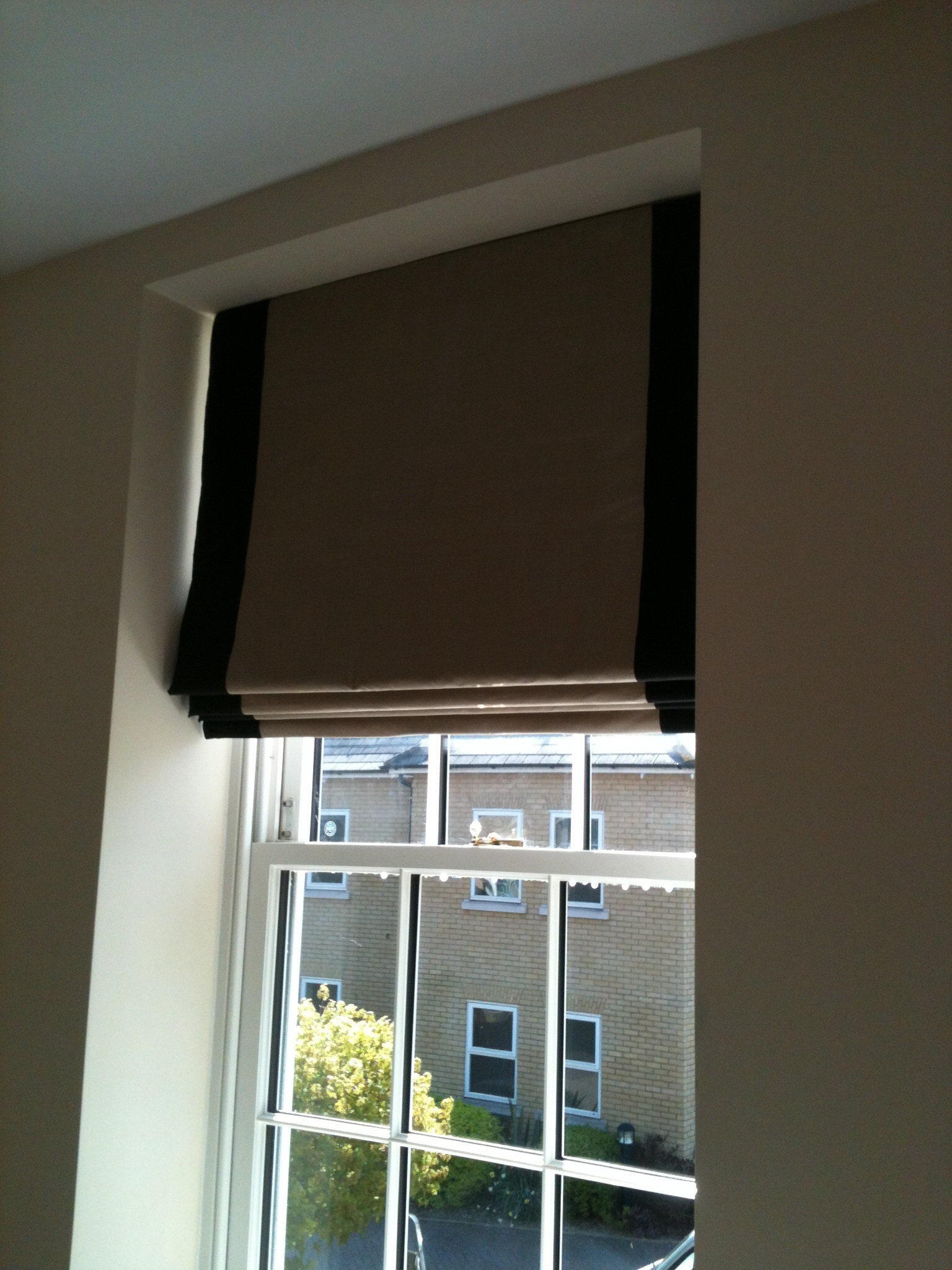 Silk Roman Blinds With Contrast Border Gorden Pinterest For Silk Roman Blinds (Image 15 of 15)