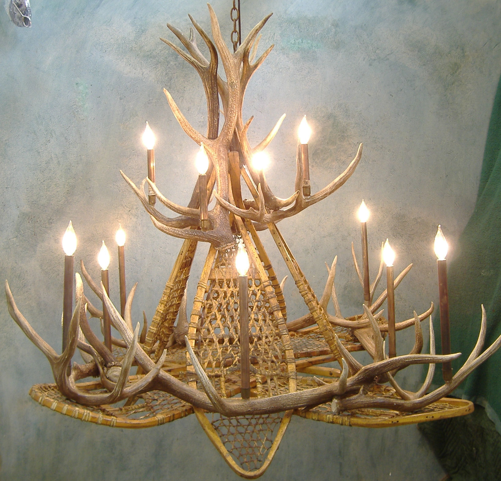 Snowshoe Elk Antler Chandelier Throughout Large Antler Chandelier (Image 11 of 15)