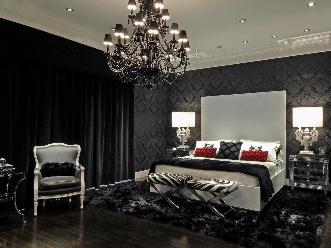 Featured Image of Black Chandelier Bedroom