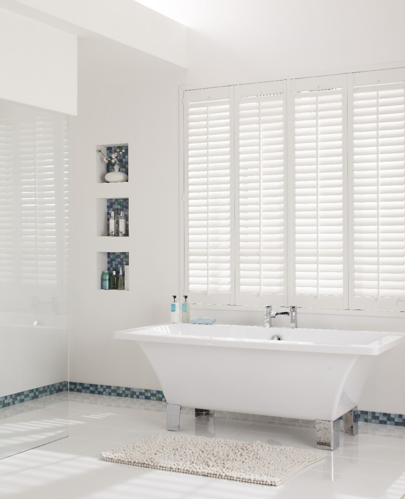 The Best Moisture Resistant Blinds For Kitchens And Bathrooms Inside Bathroom Blinds (Image 13 of 15)