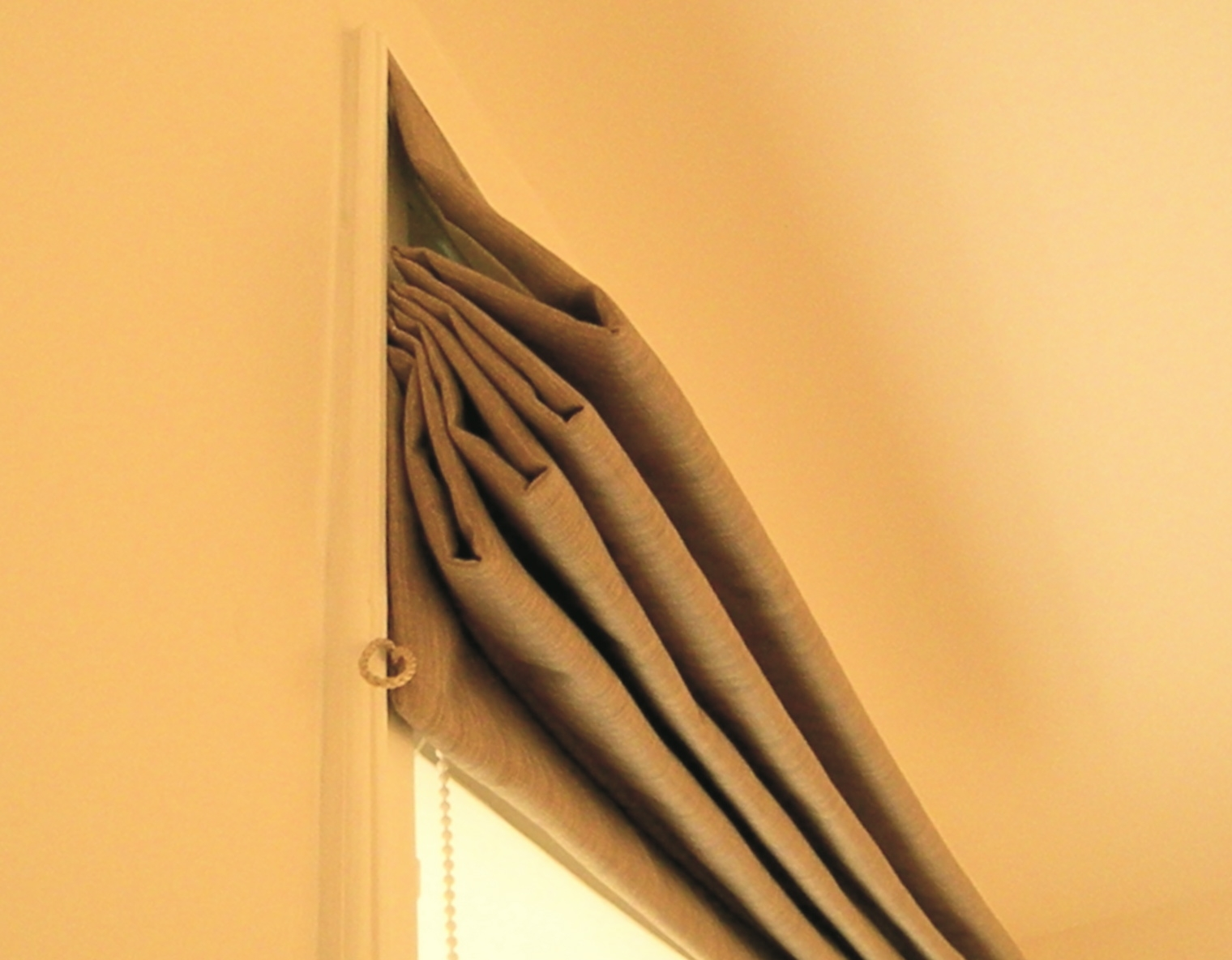 Thermal Blinds For Windows Inspiration Track Magnets Decoration Inside Thermal Roller Blinds (View 15 of 15)