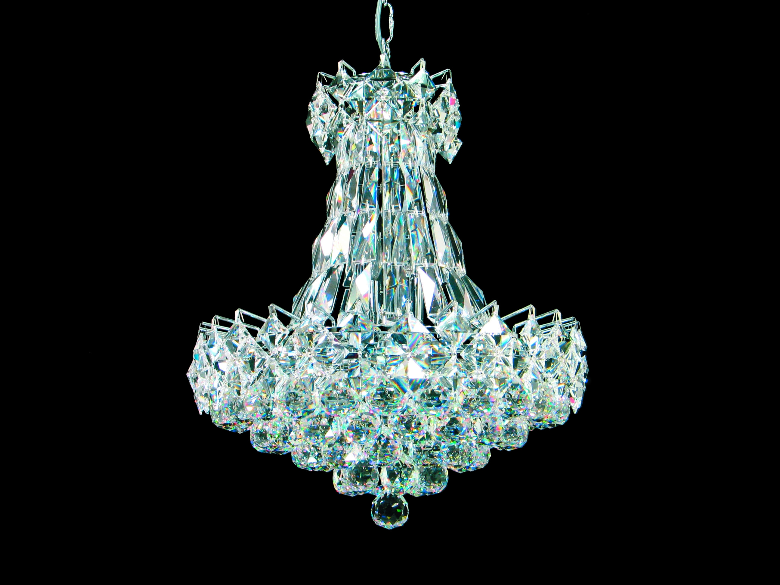 Unique Crystal Chandeliers Home Decor With Regard To Lead Crystal Chandelier (Image 15 of 15)