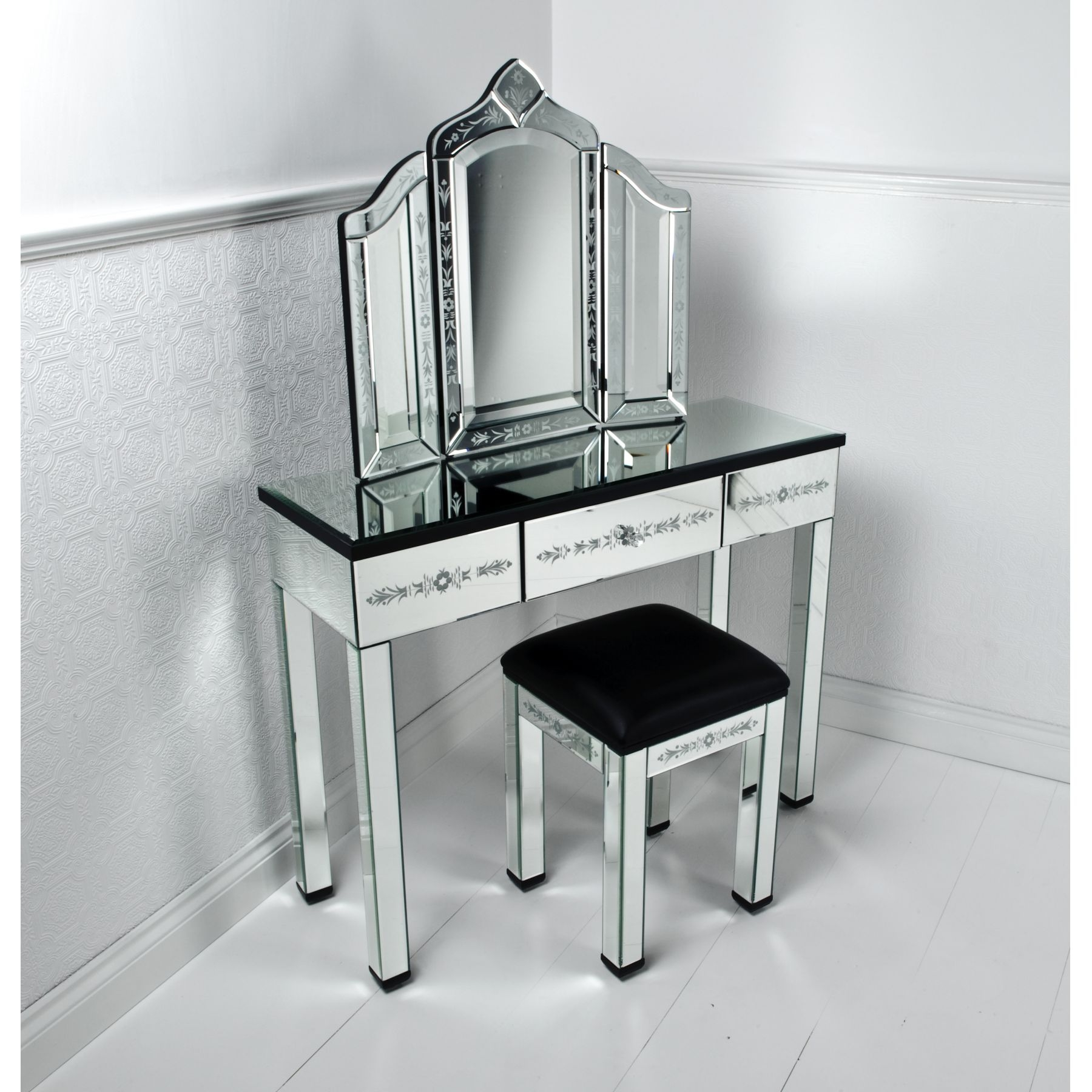 Venetian Mirrored Vanity Makeup Dressing Table Globorank Inside Venetian Table Mirror (Image 14 of 15)