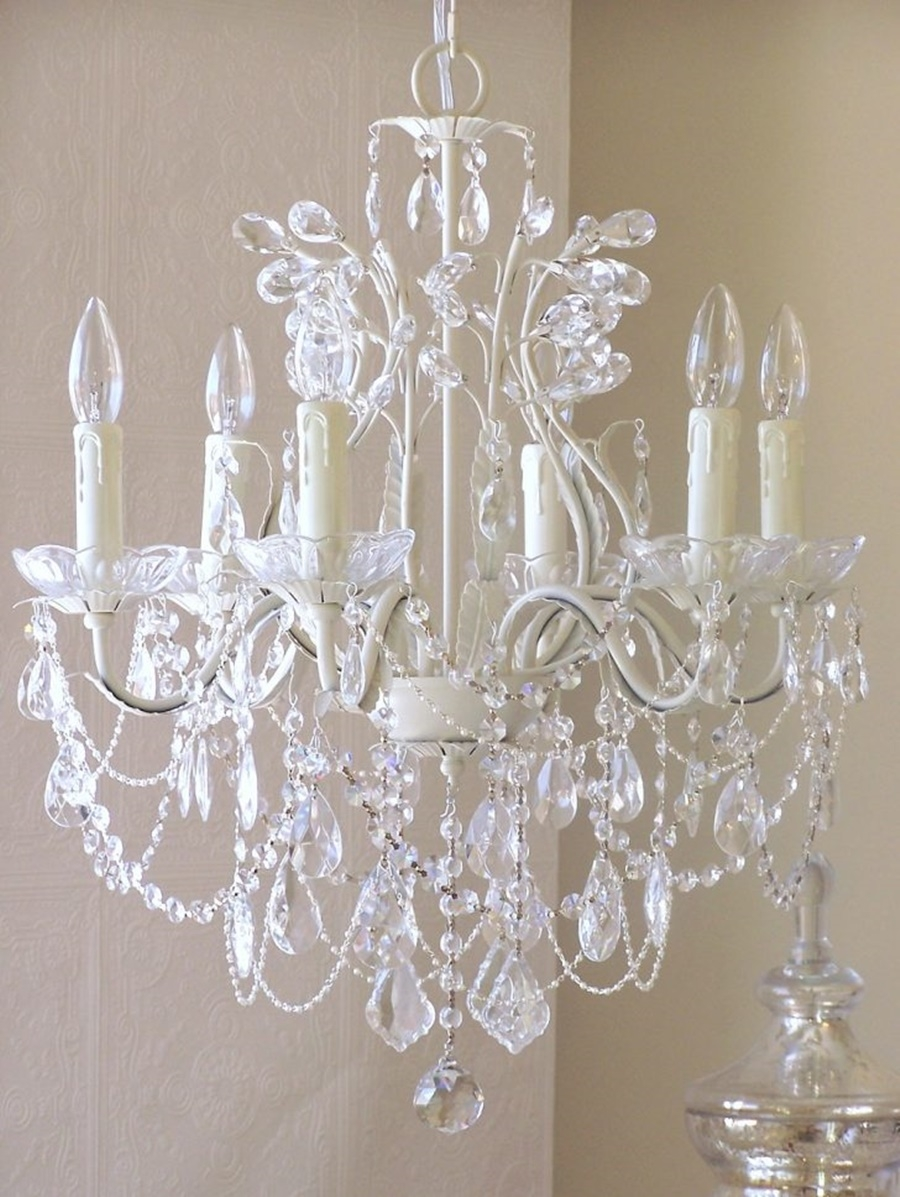Vintage Chandeliers Crystal Give Classy Look Inspiration Home Throughout Vintage Chandeliers (Image 13 of 15)
