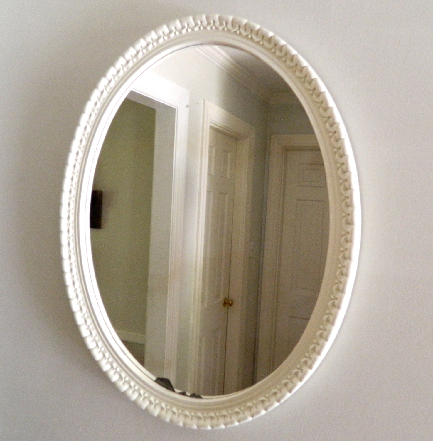 Vintage Mirror Oval White Shab Chic Wood Frame With Regard To White Oval Mirror (Image 11 of 15)