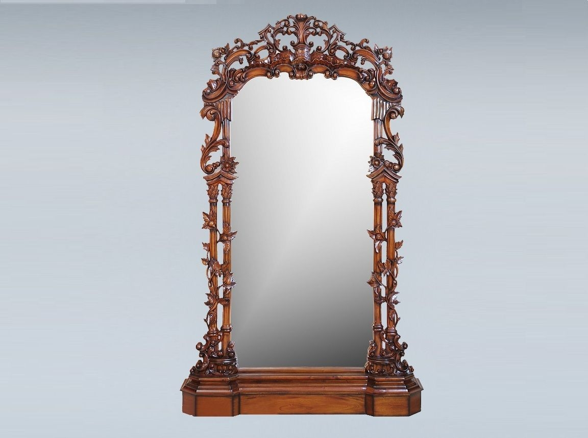 Featured Image of Vintage Standing Mirror