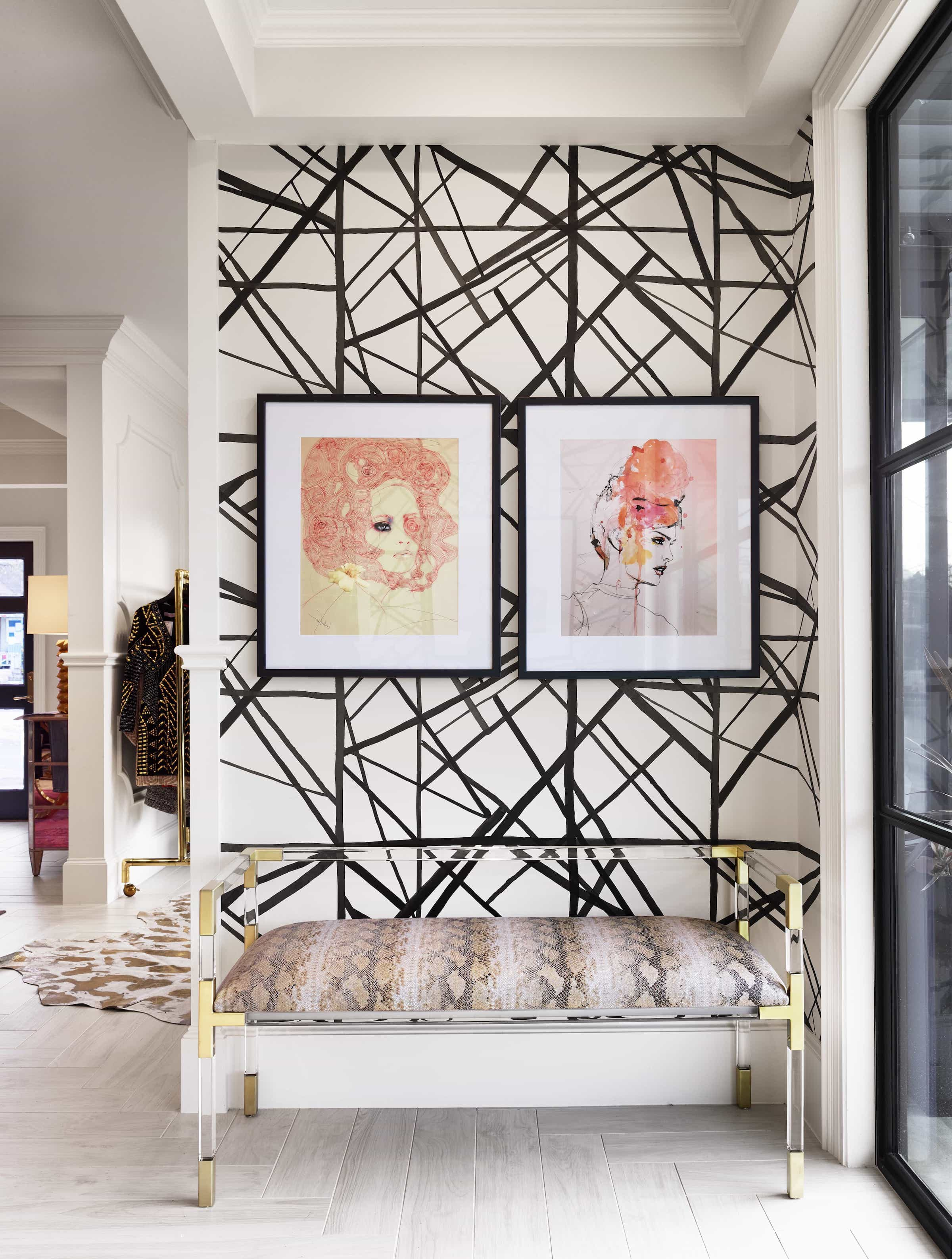 Featured Image of Watercolor Art And Fabulous Geometric Wallpaper For Modern Sitting Room
