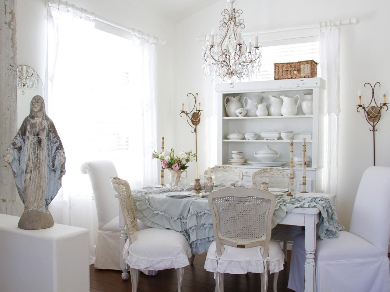 Welcoming Shab Chic Dining Room With Floor Mirror And White Inside Shabby Chic Floor Mirror (Image 15 of 15)