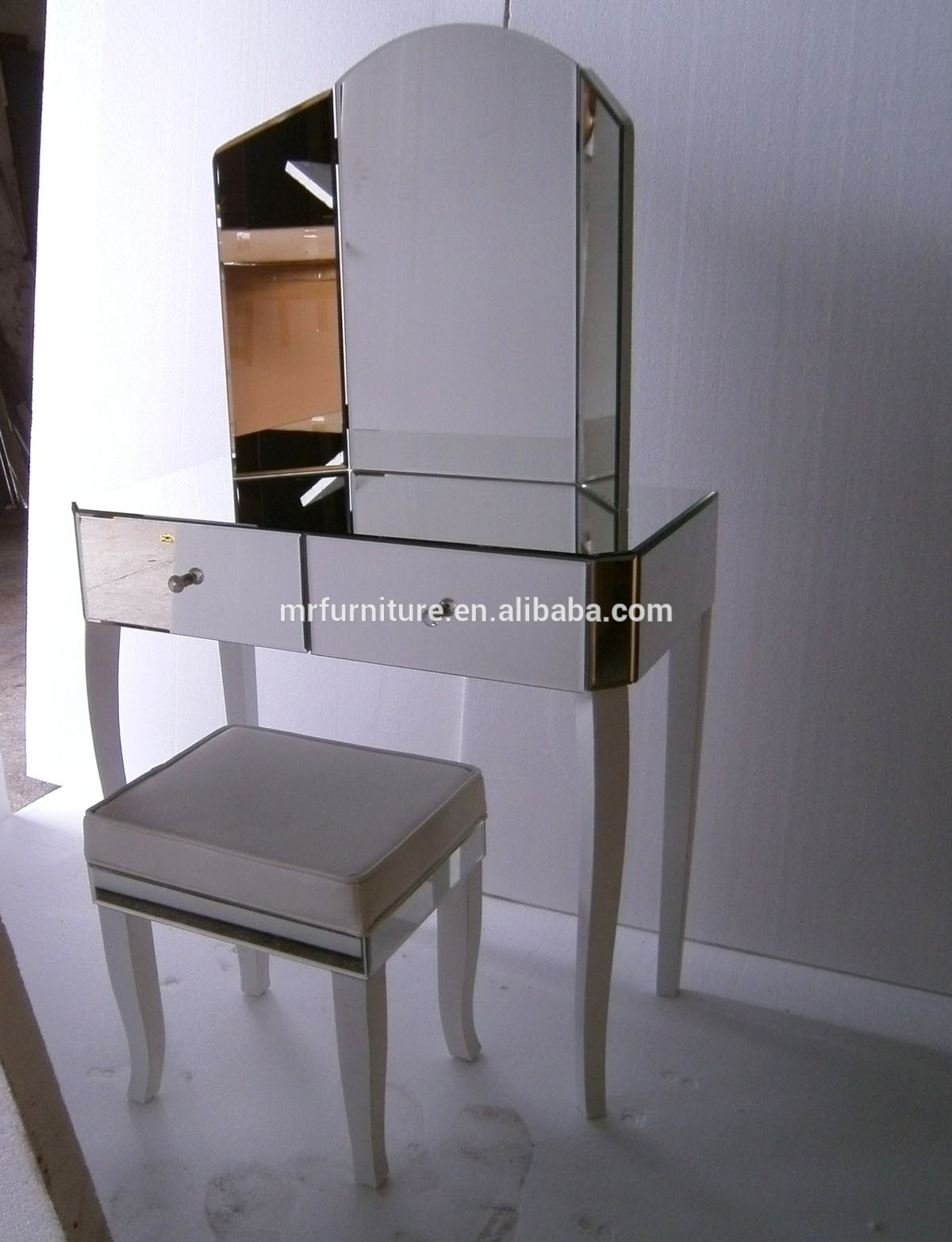White Legs Venetian Mirrored Dressing Table With Folding Mirror Inside Venetian Mirror Table (Image 15 of 15)