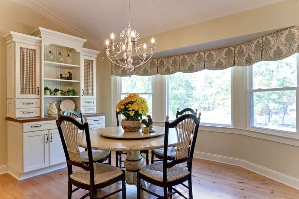 Window Valances Ideas For Farmhouse Dining Room (Image 20 of 20)