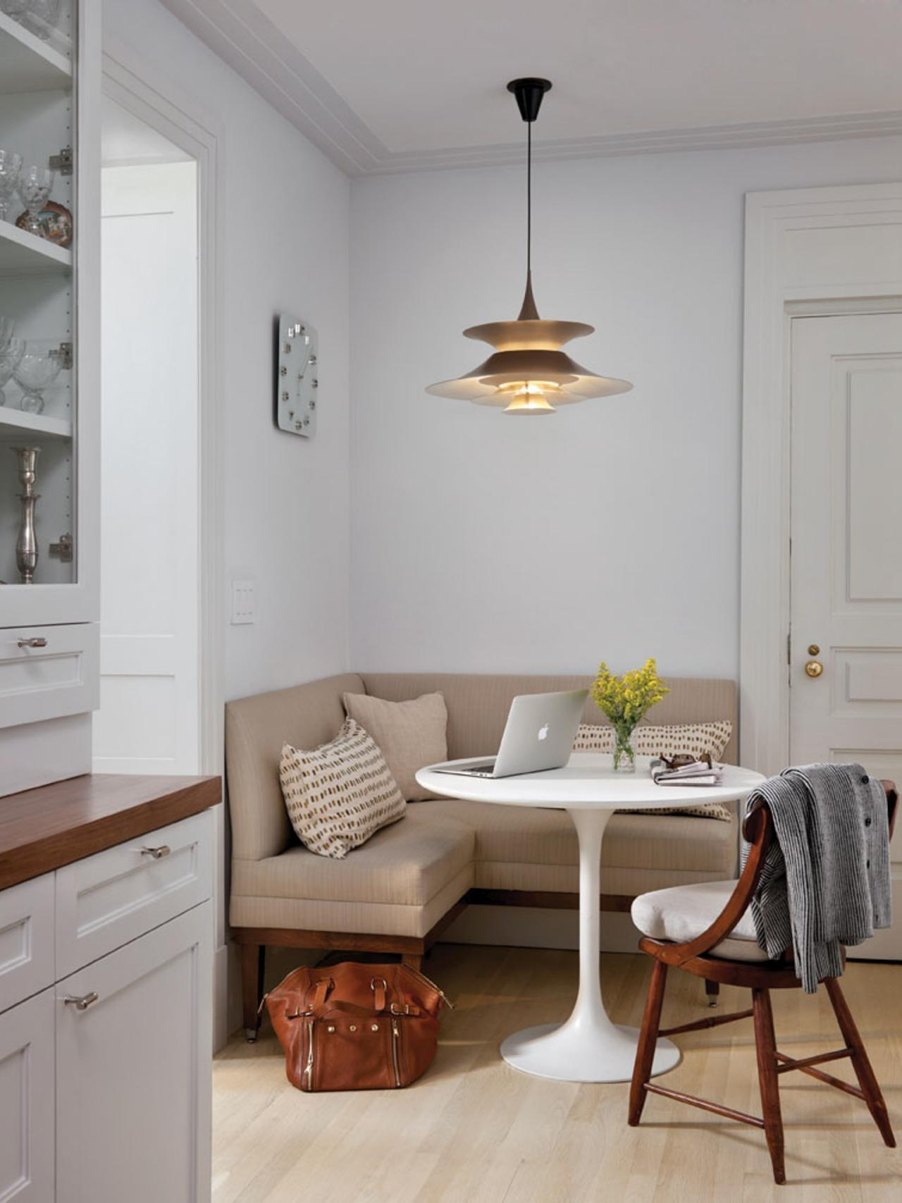 Featured Image of Corner Seating Ideas