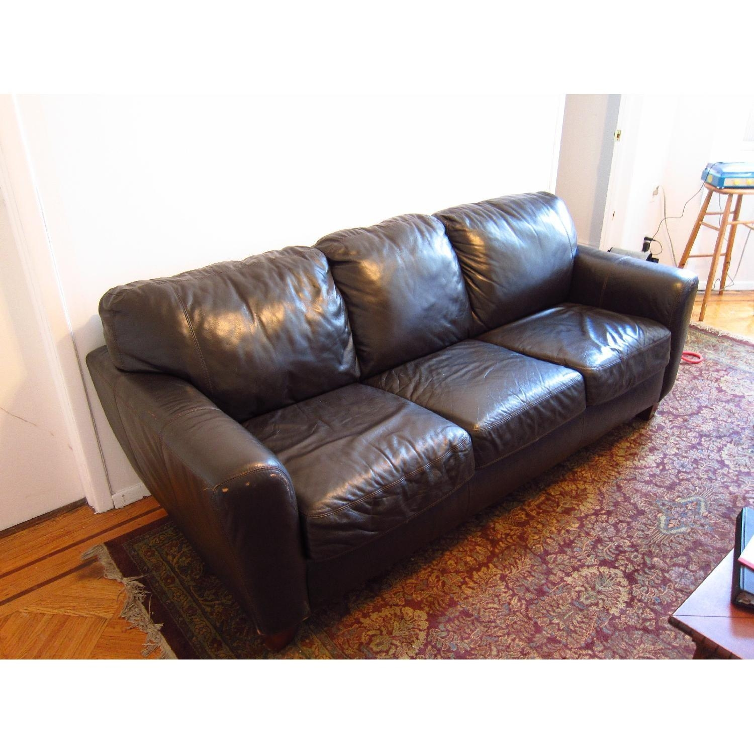 3 Seater Leather Sofa Aptdeco Inside 3 Seater Leather Sofas (Image 1 of 15)