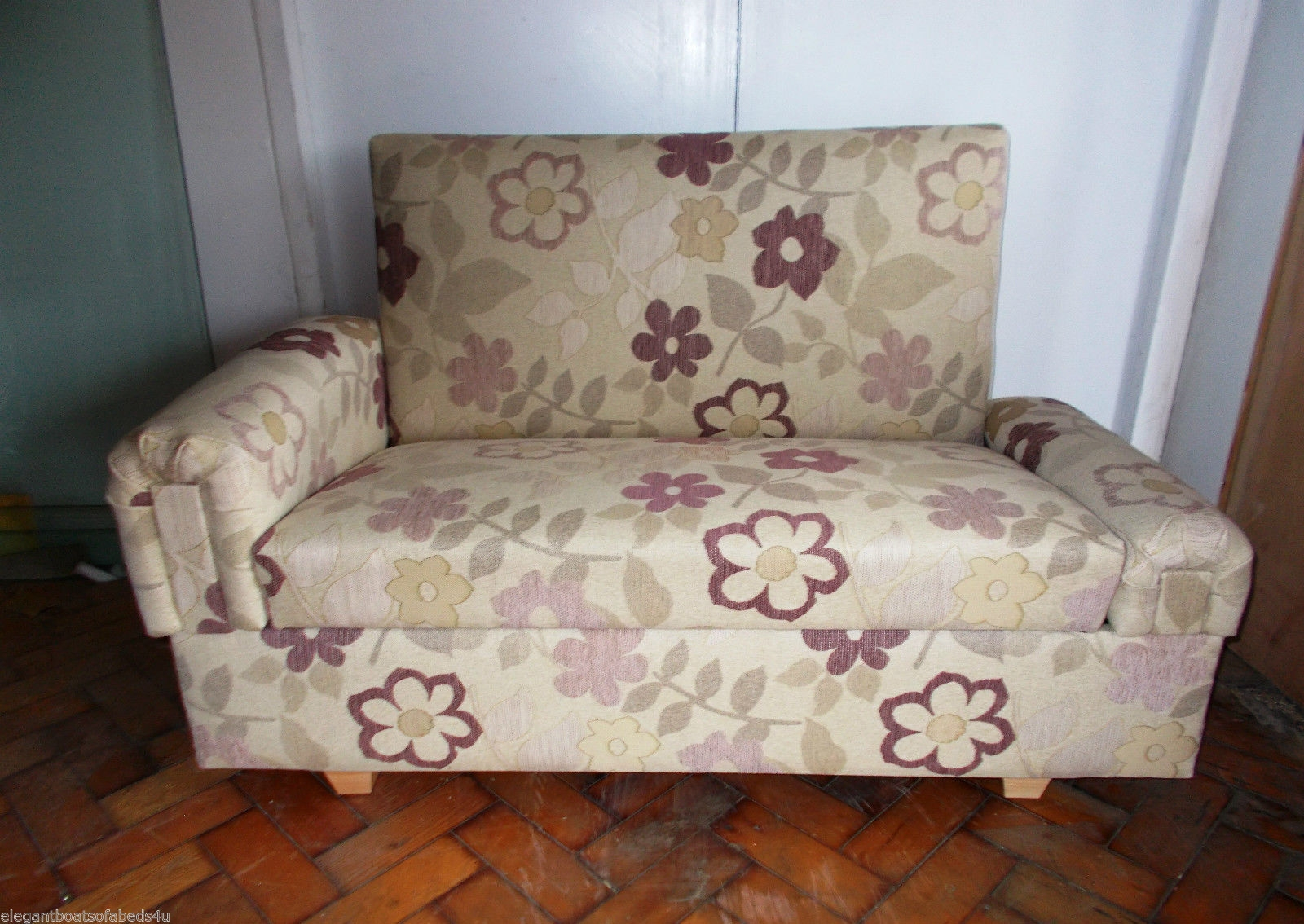 55 Floral Sofa 1000 Ideas About Floral Sofa On Pinterest Country For Chintz Sofa Beds (Image 2 of 15)