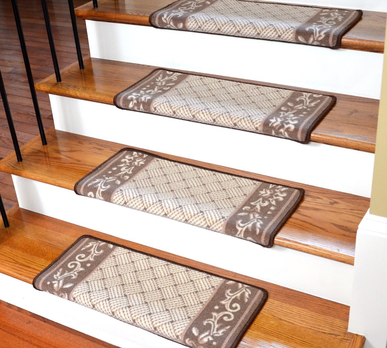 Accessories Oriental Carpet Stair Treads With Wood Stairs And Intended For Oriental Carpet Stair Treads (View 13 of 15)